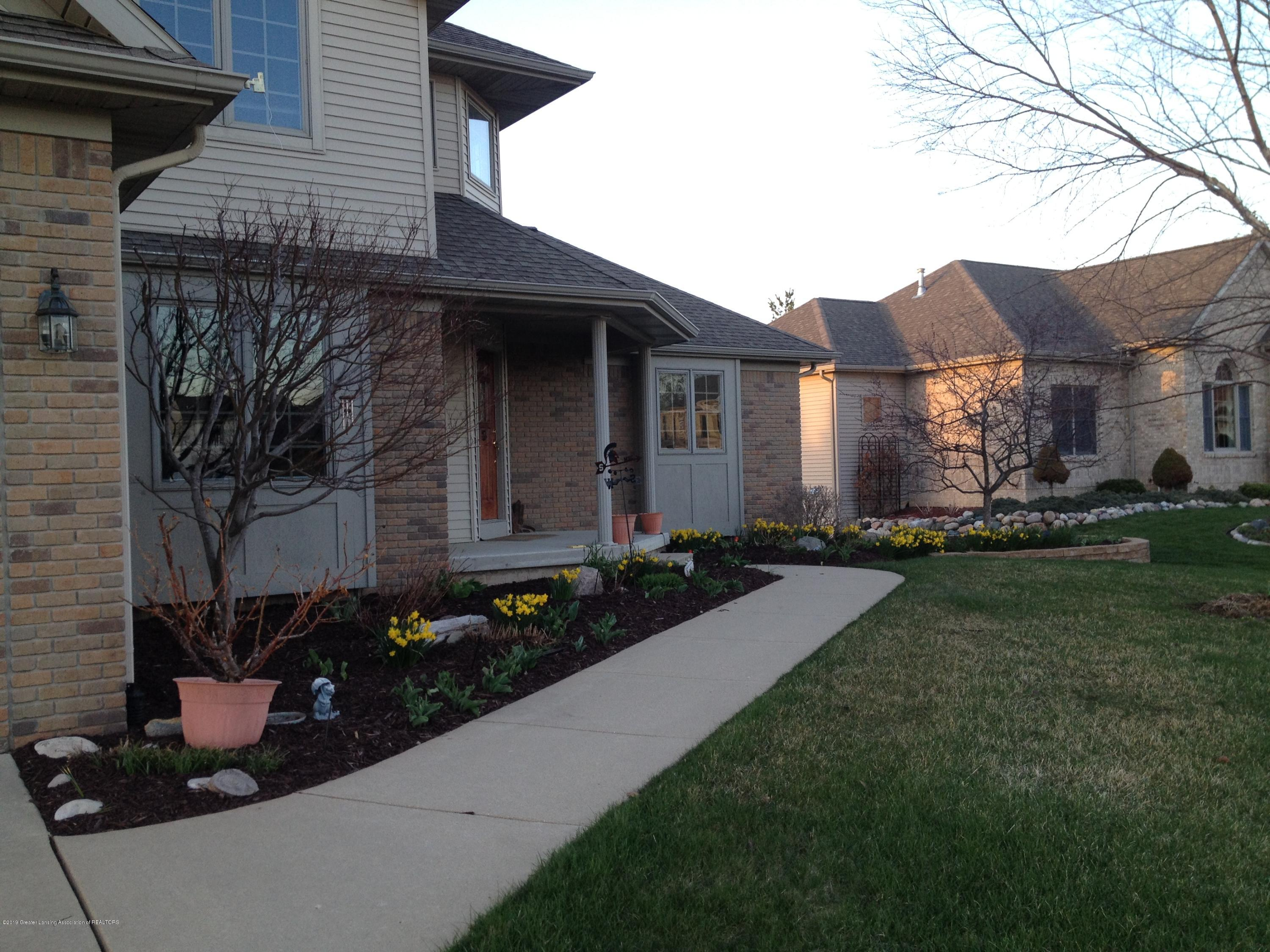 7387 Mallow Ln - 2014 04-26 Home with Daffodils (1) - 51