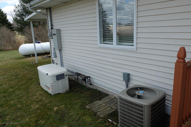 415 Holt Rd - Generator - 41