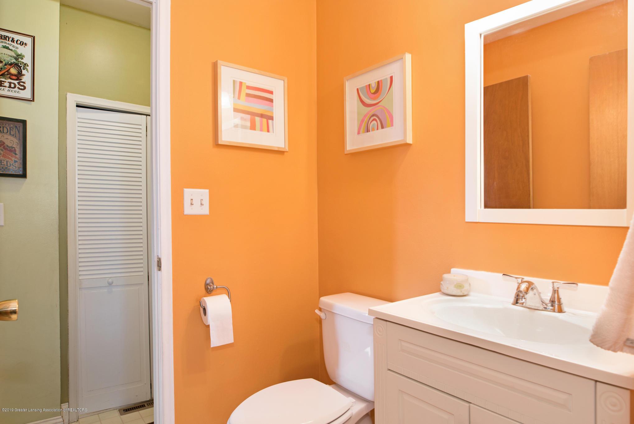981 Ramblewood Dr - Bathroom 2 - 23