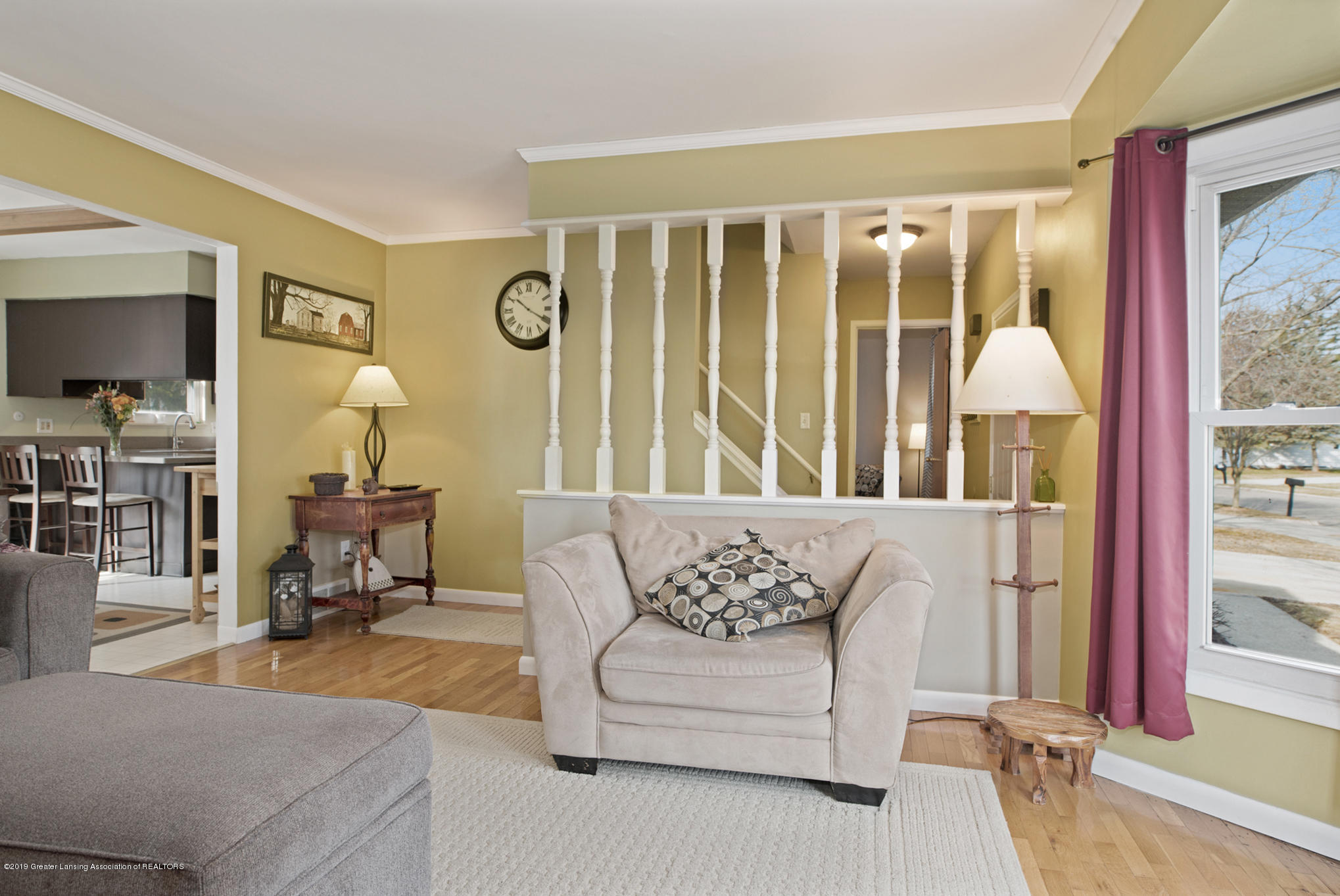 981 Ramblewood Dr - Living Area - 16