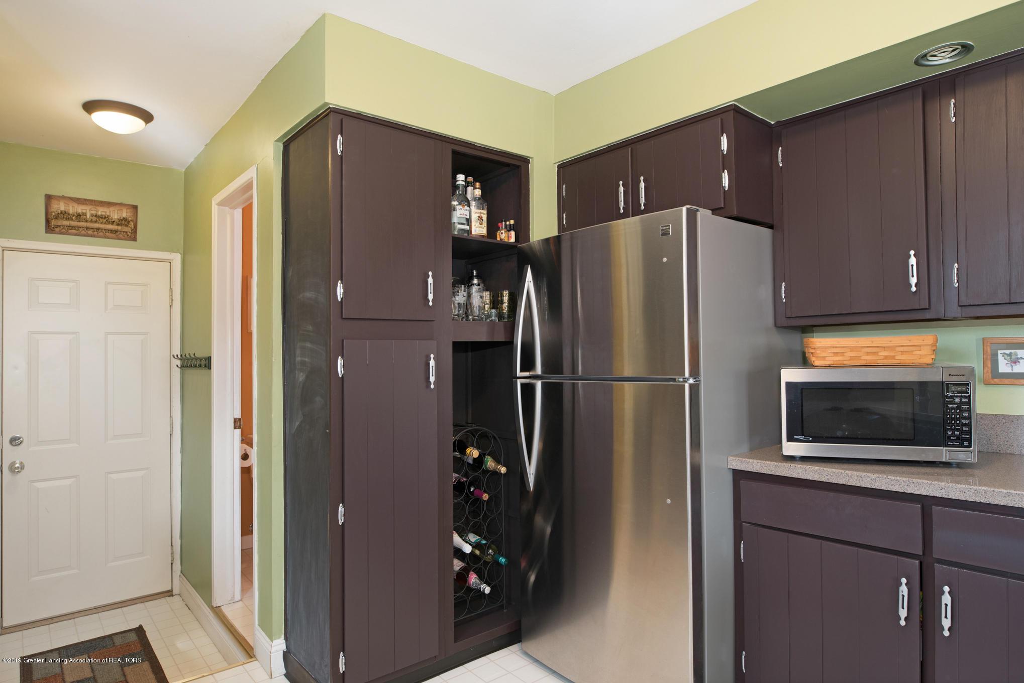981 Ramblewood Dr - Kitchen - 11