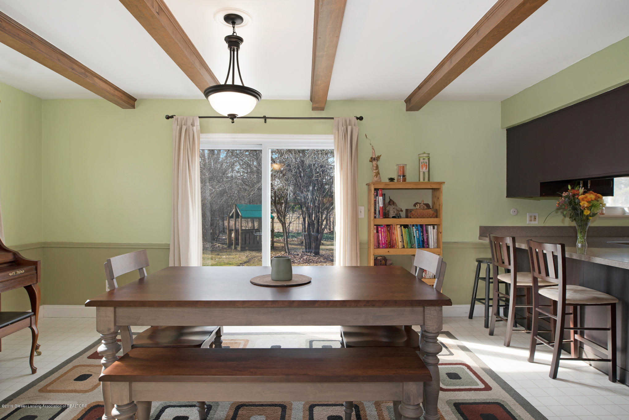 981 Ramblewood Dr - Dining Area - 15
