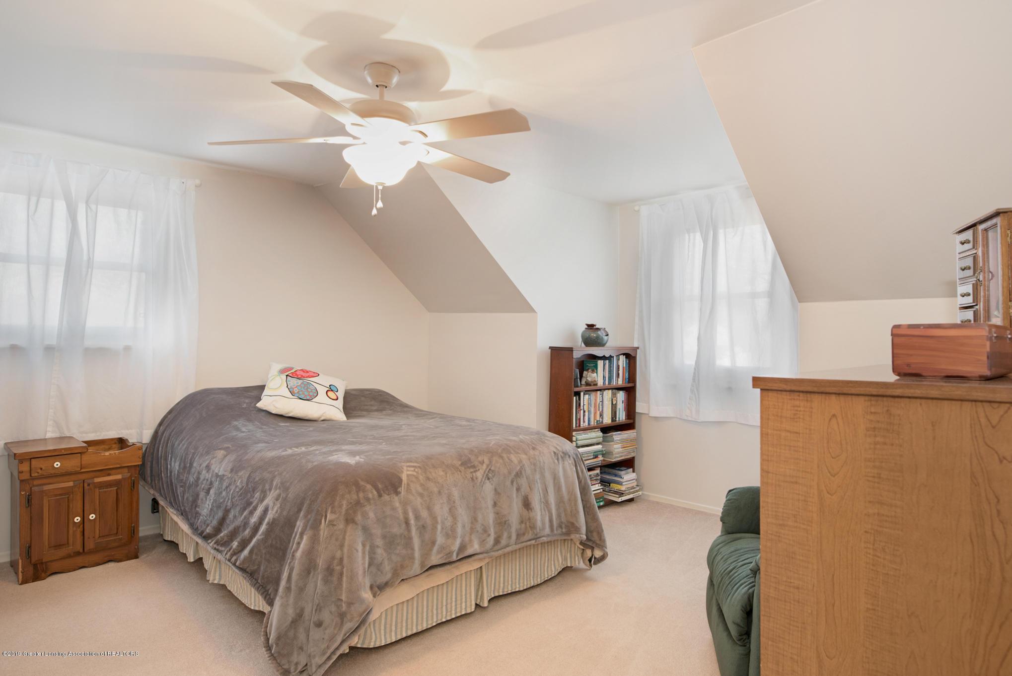 981 Ramblewood Dr - Bedroom 1 - 24