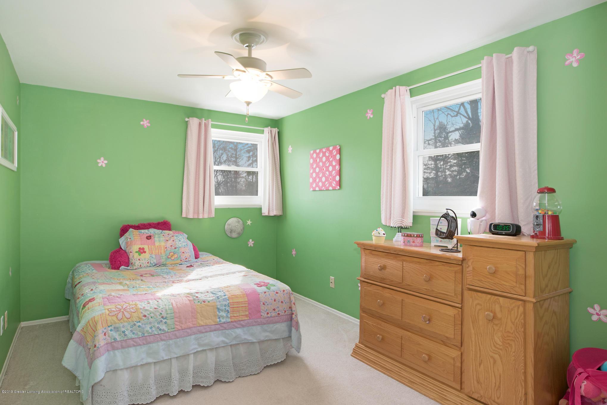 981 Ramblewood Dr - Bedroom 3 - 29