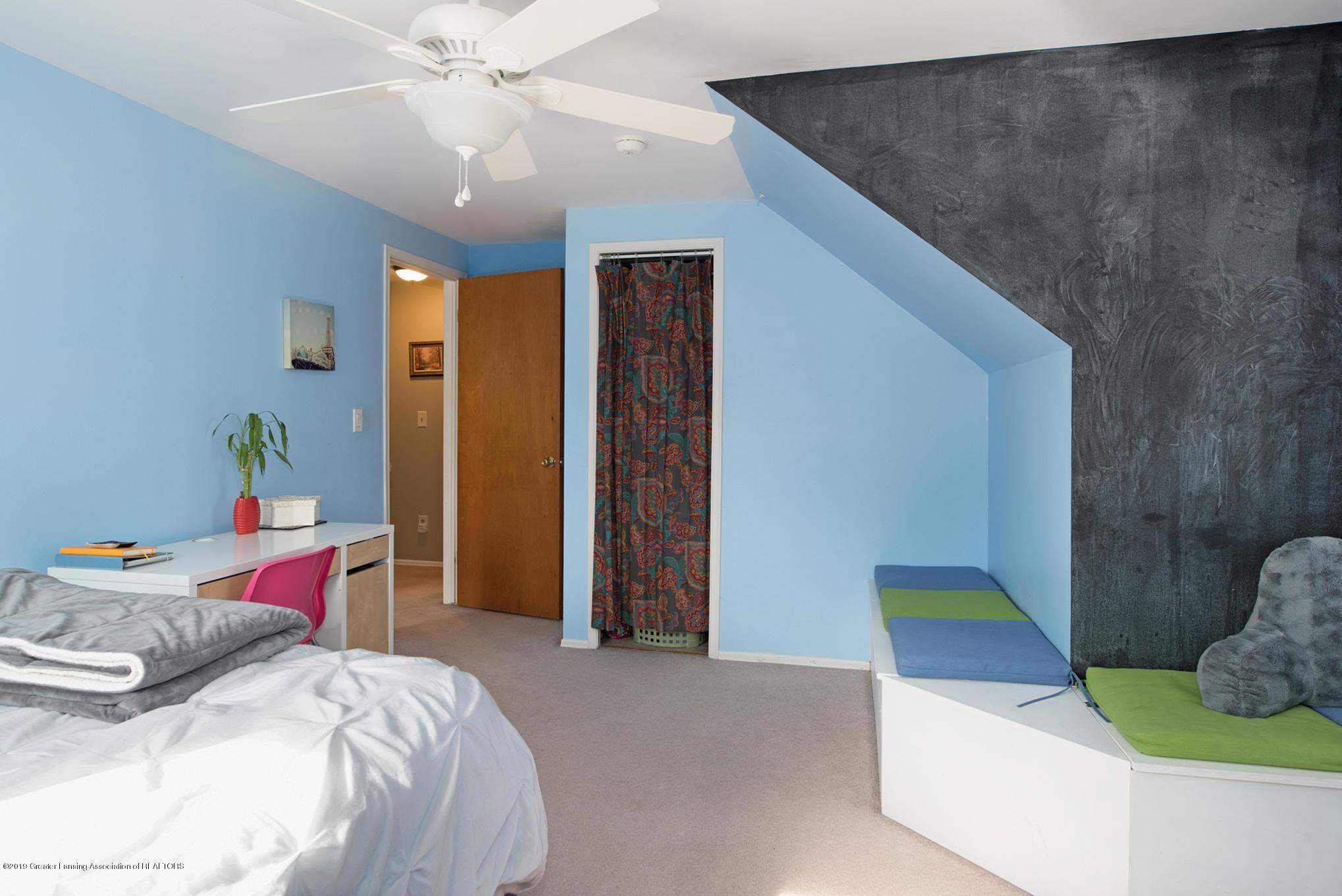981 Ramblewood Dr - Bedroom 2 - 31