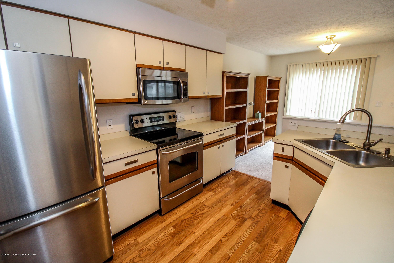 1735 Whitegate Ln - Kitchen - 18