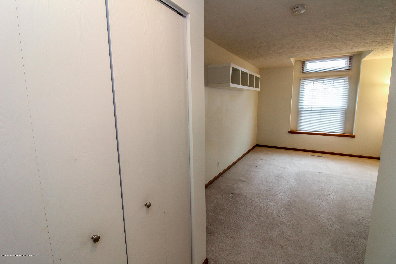 1735 Whitegate Ln - Master Bedroom - 25