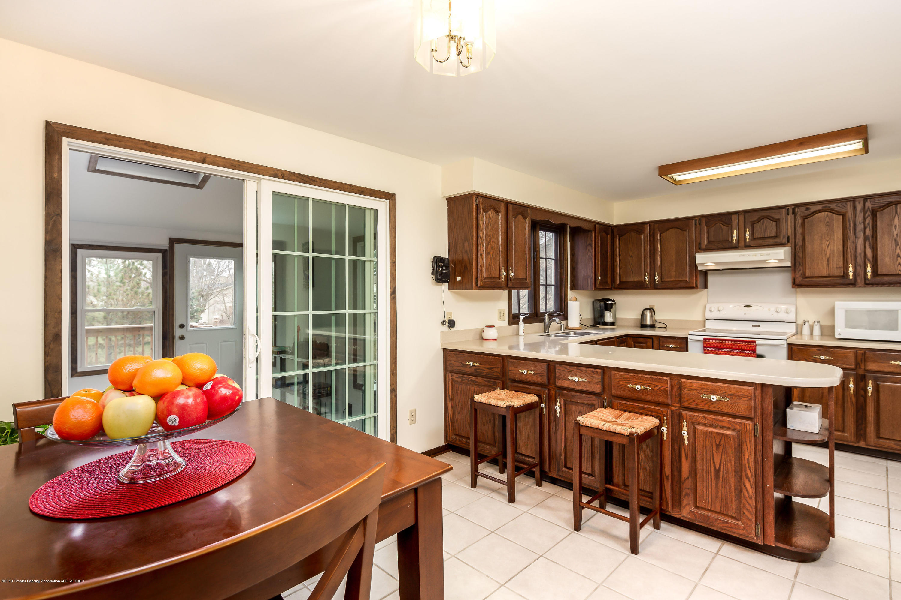1710 Country View Dr - Eat-in Kitchen - 10