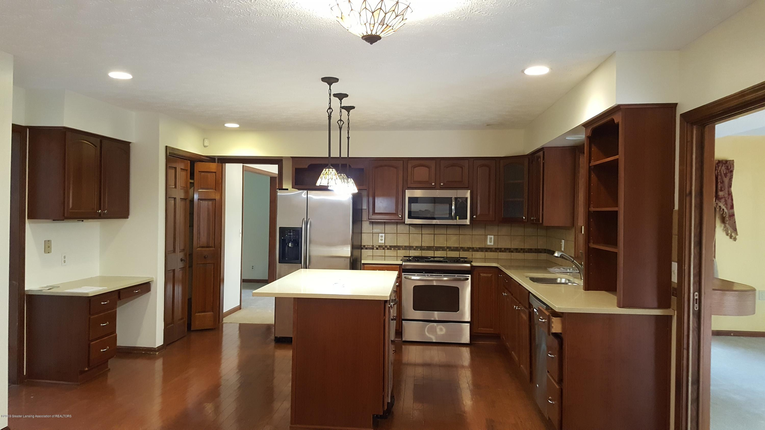 3806 Crooked Creek Rd - kitchen - 7