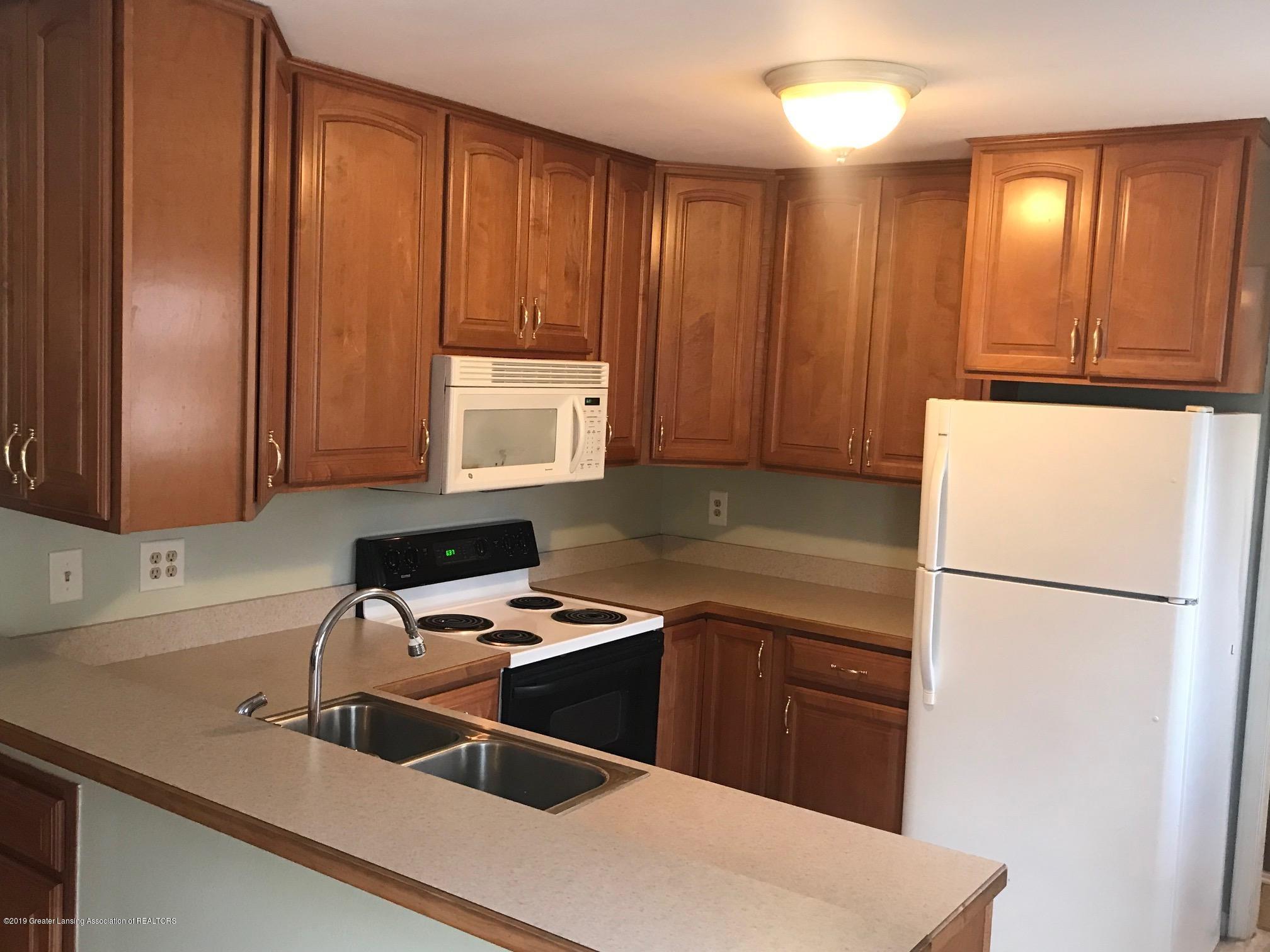 3219 Boston Blvd - kitchen - 10