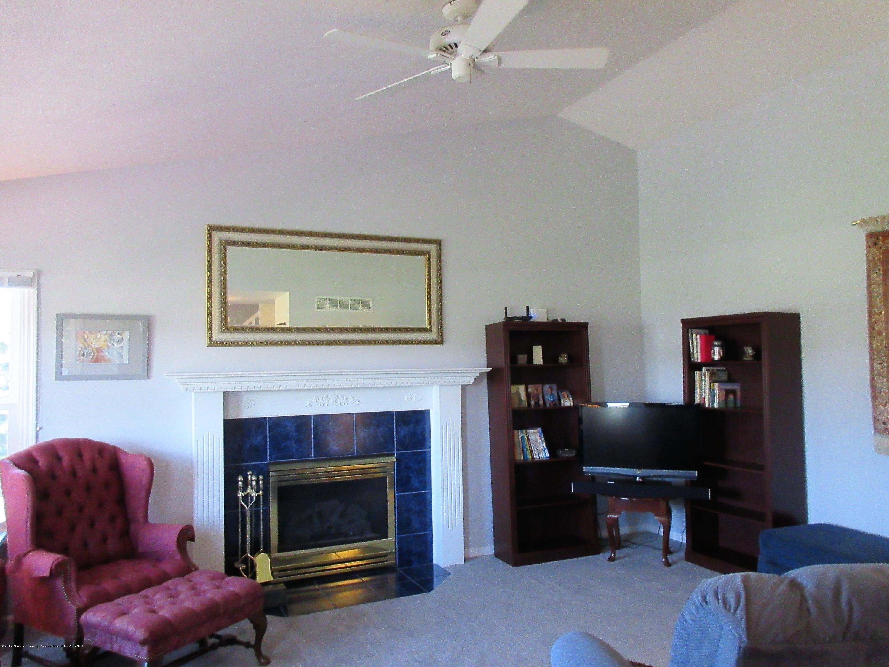 9387 S Hollister Rd - living room - 3