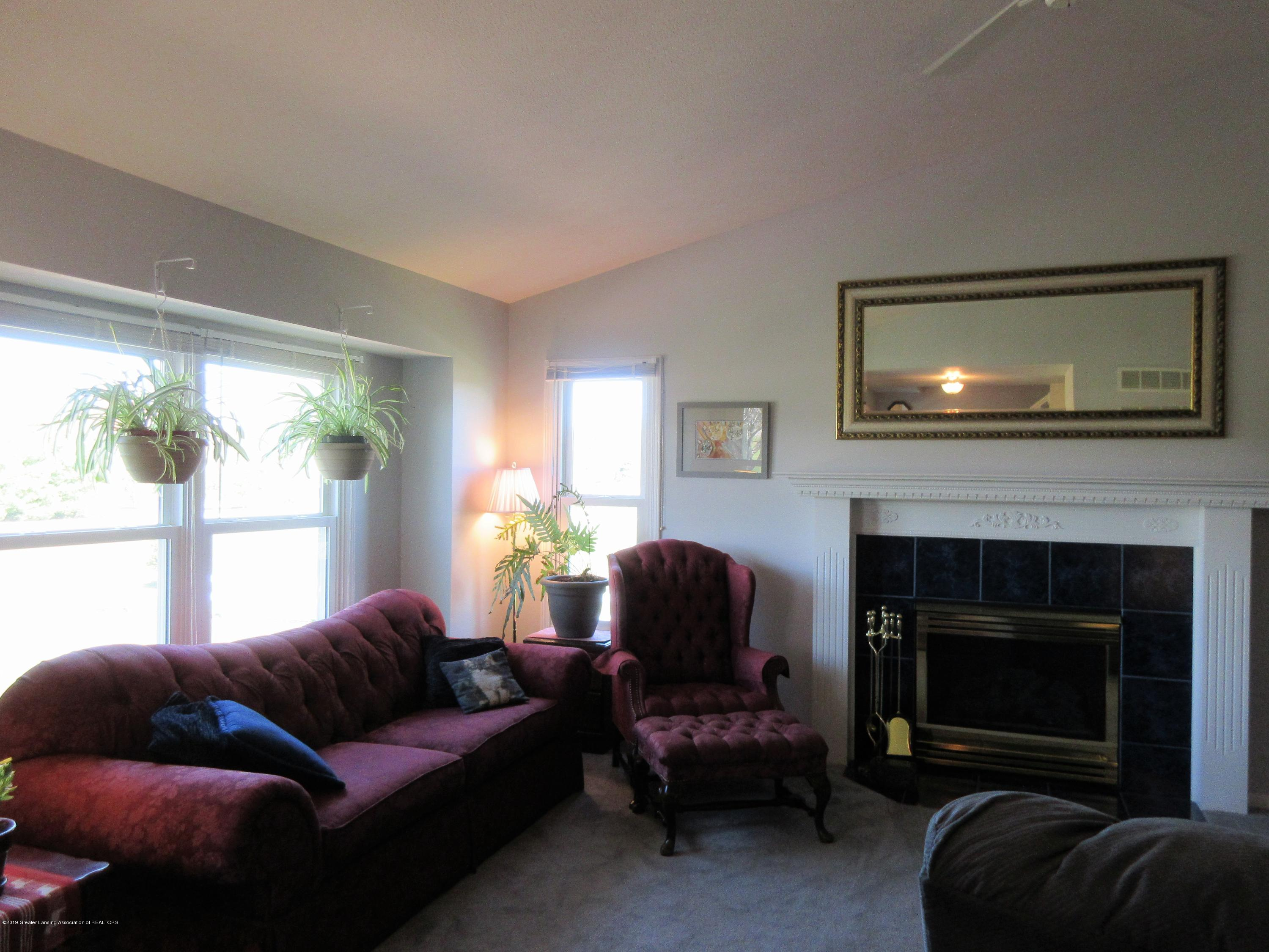 9387 S Hollister Rd - living room 2 - 4