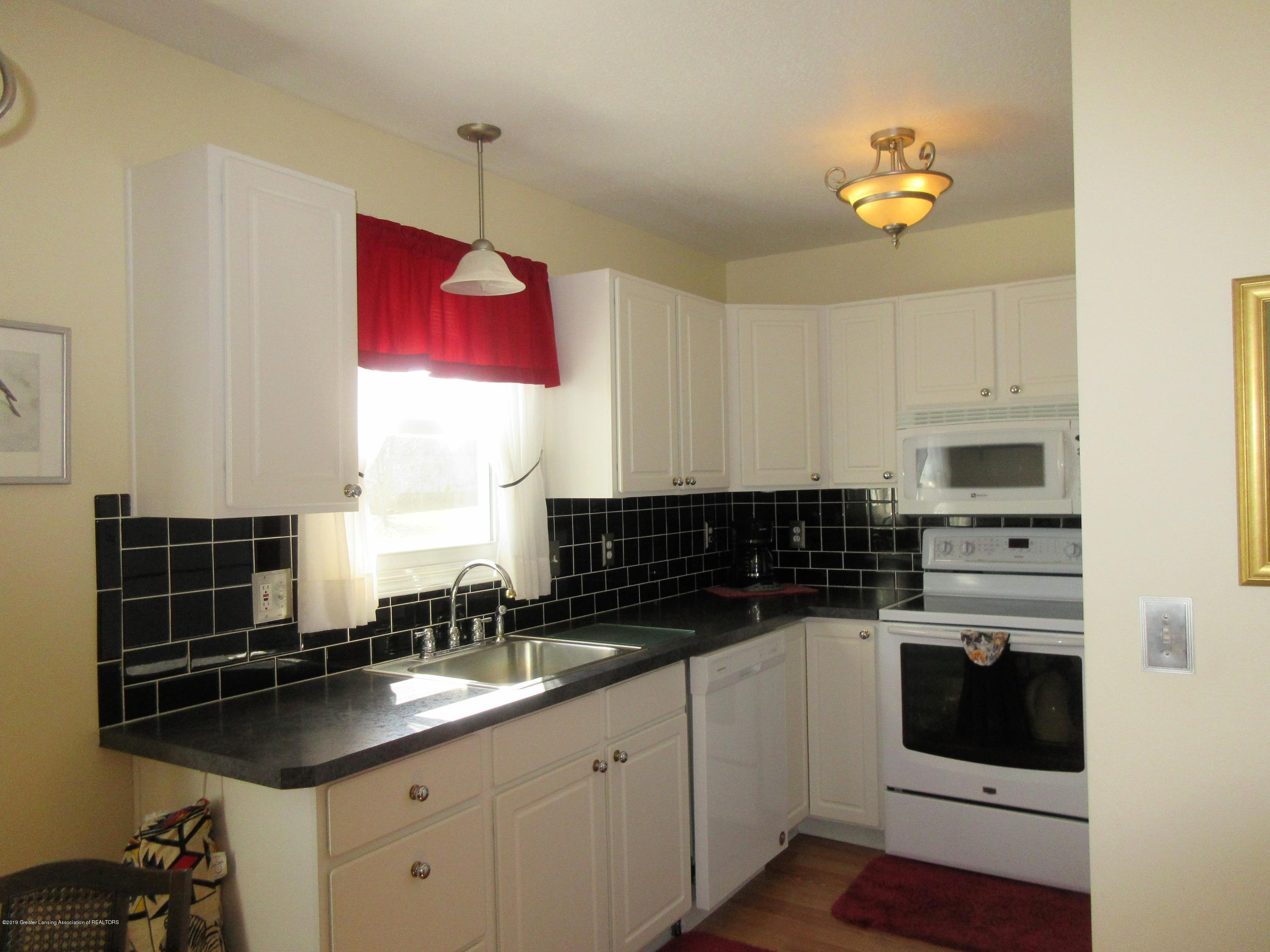 9387 S Hollister Rd - kitchen - 7