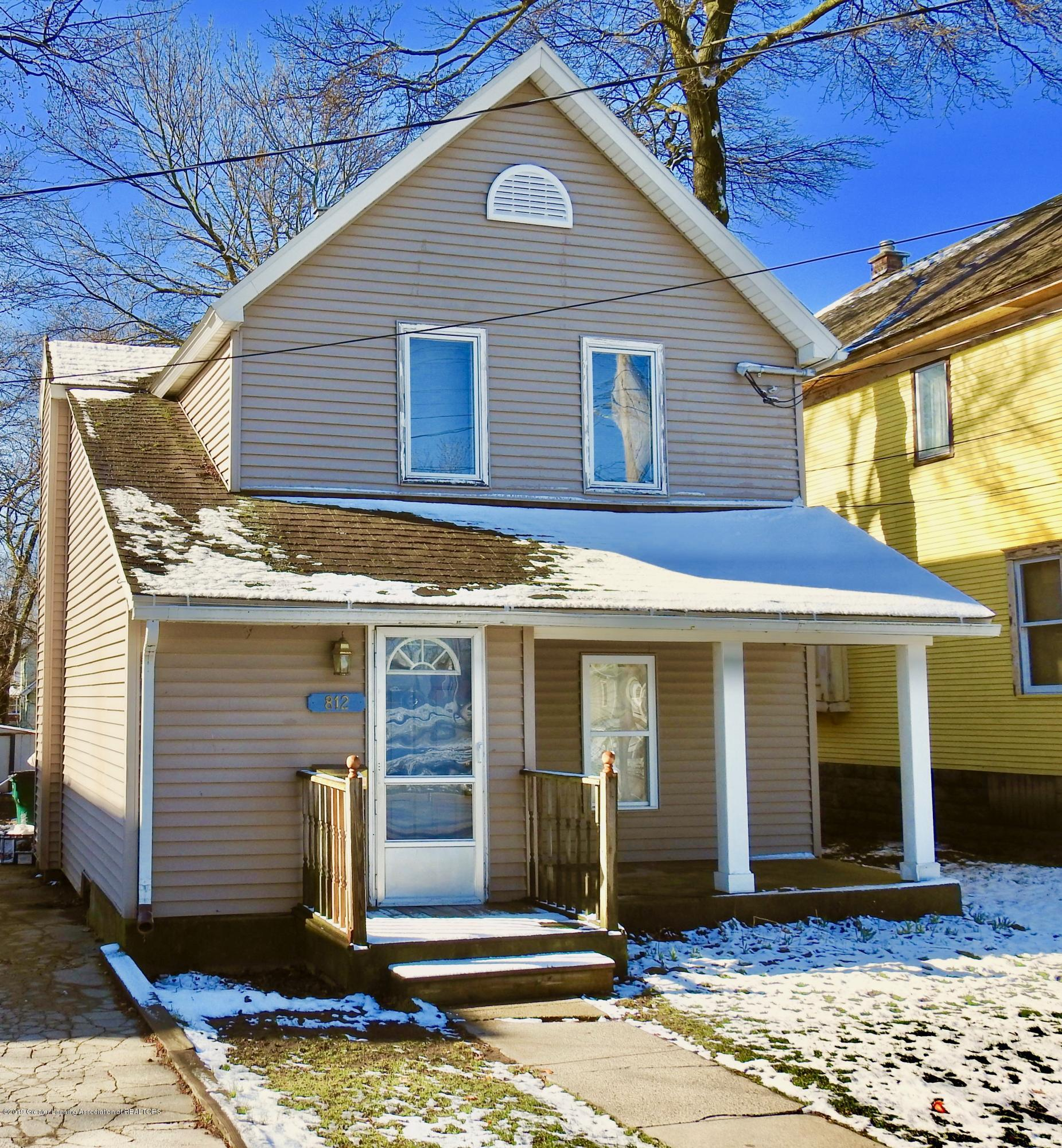 812 Bement St - Front of House - 1