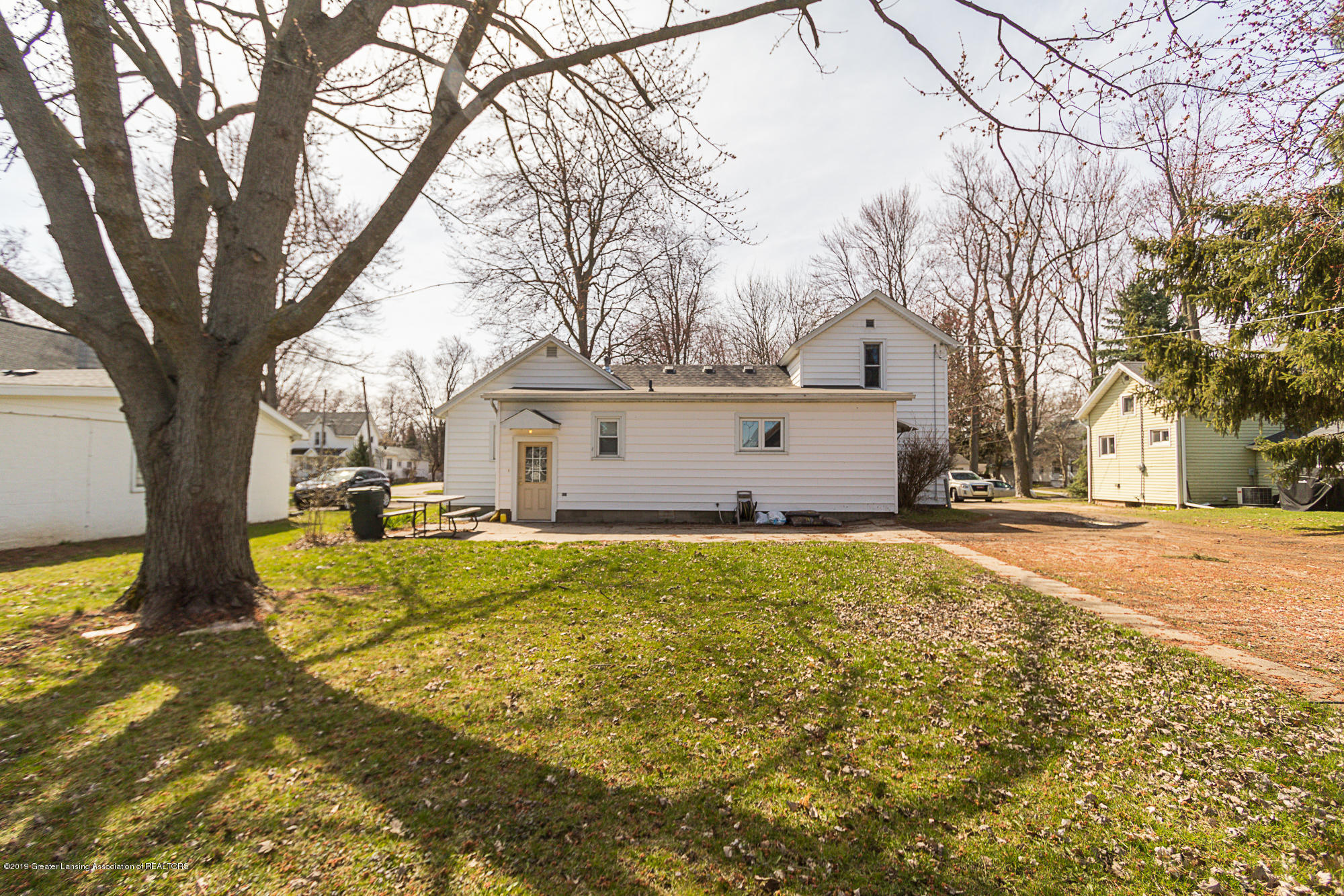 112 W Floral Ave - 18 - 18
