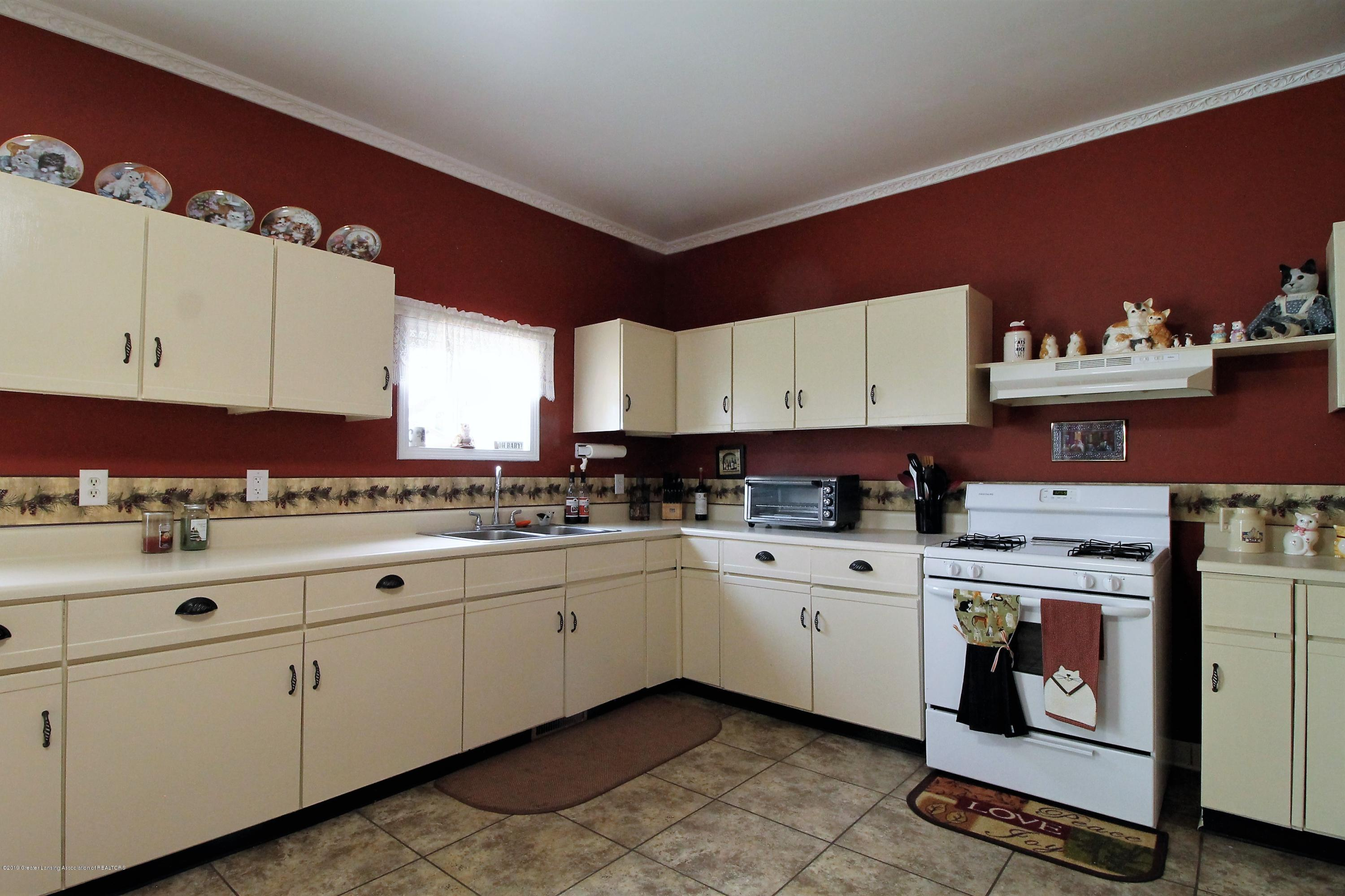 538 Bentley St - Kitchen - 4