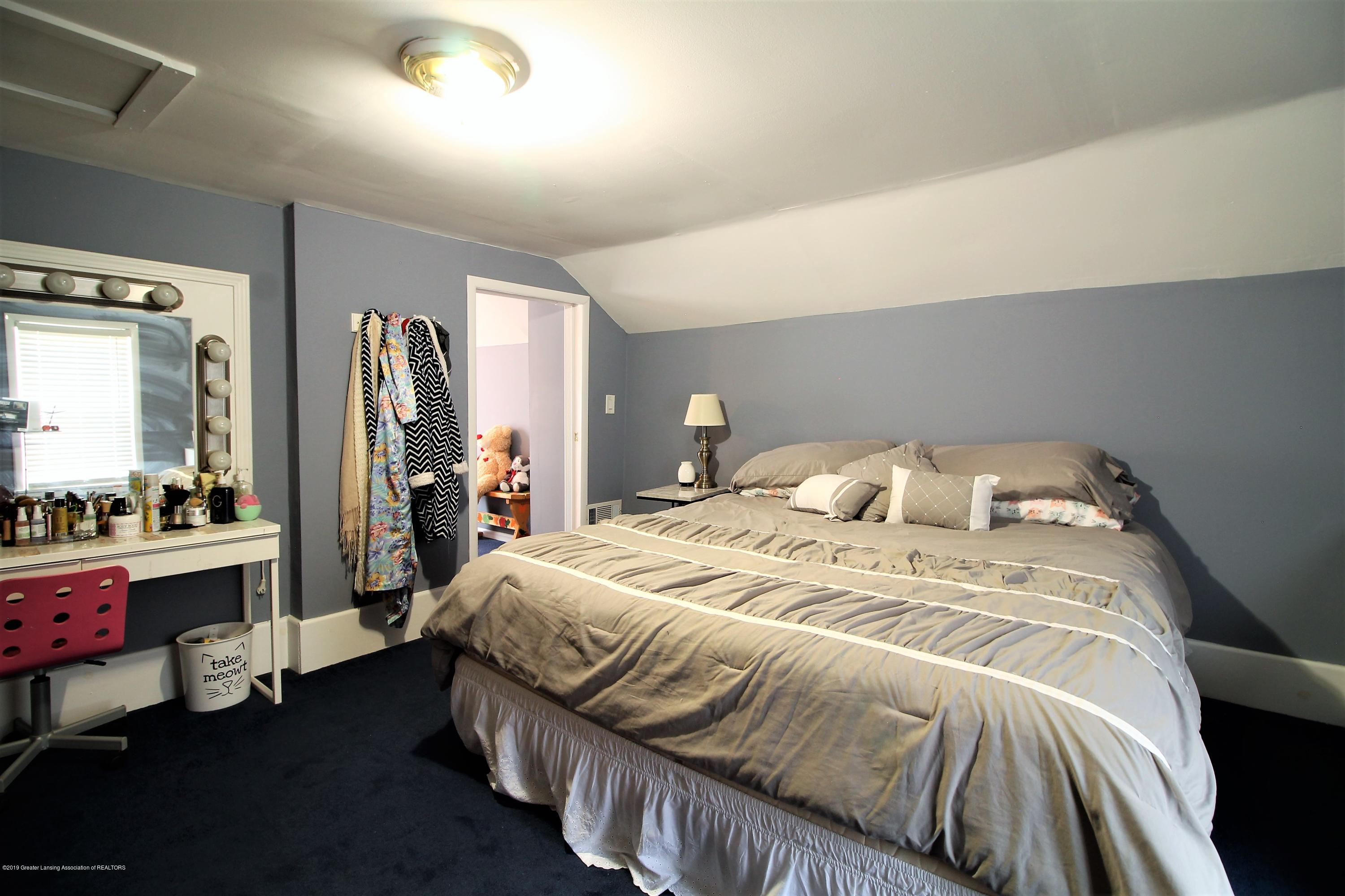 538 Bentley St - bedroom #1 - 14