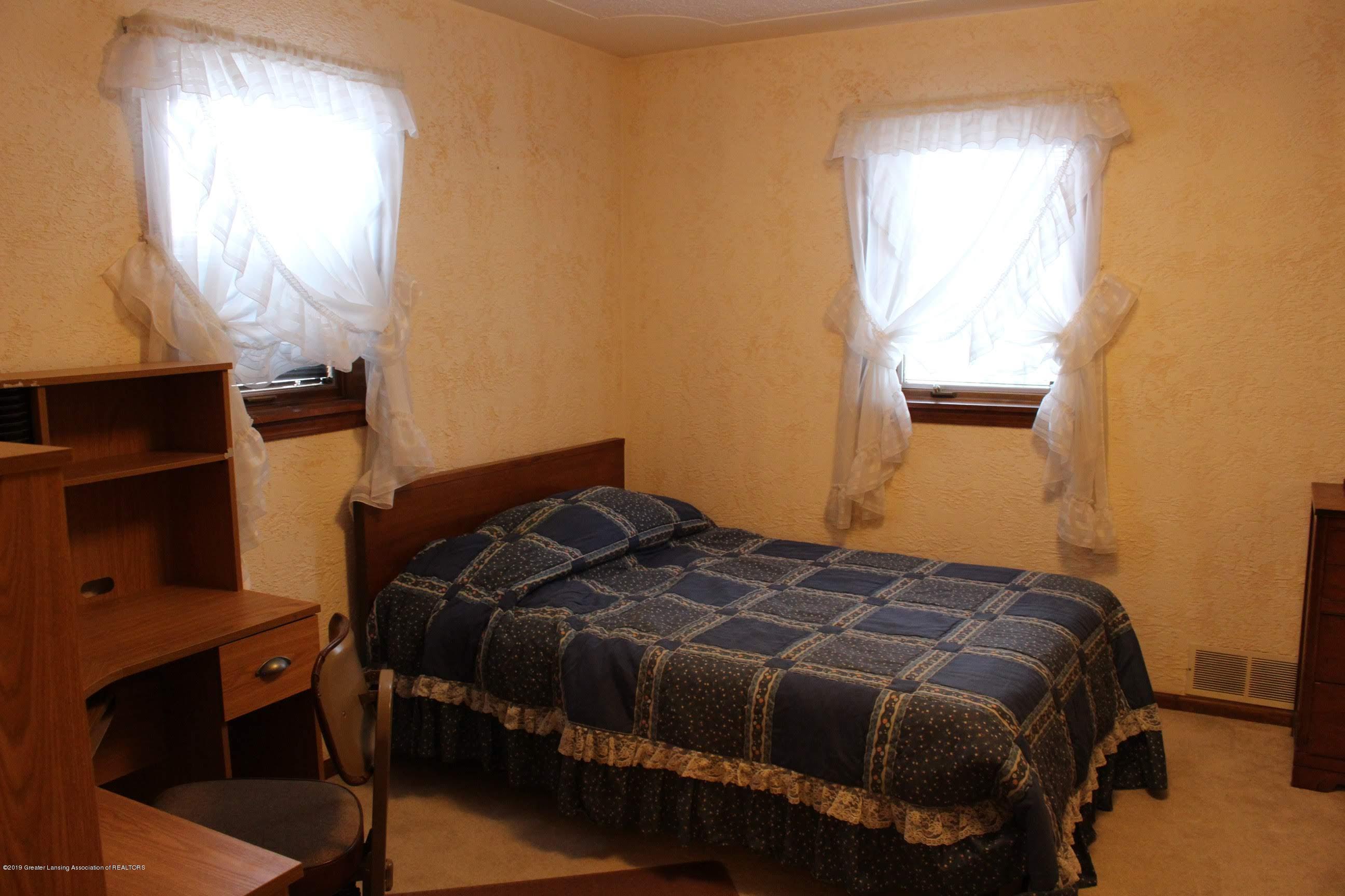 436 N Maple St - Bedroom - 14