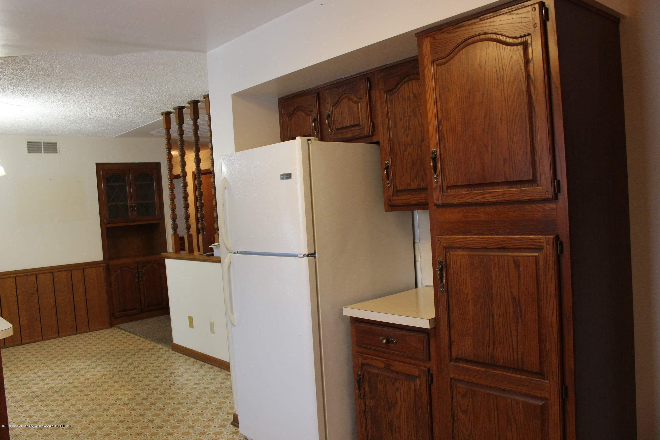 436 N Maple St - Kitchen - 4