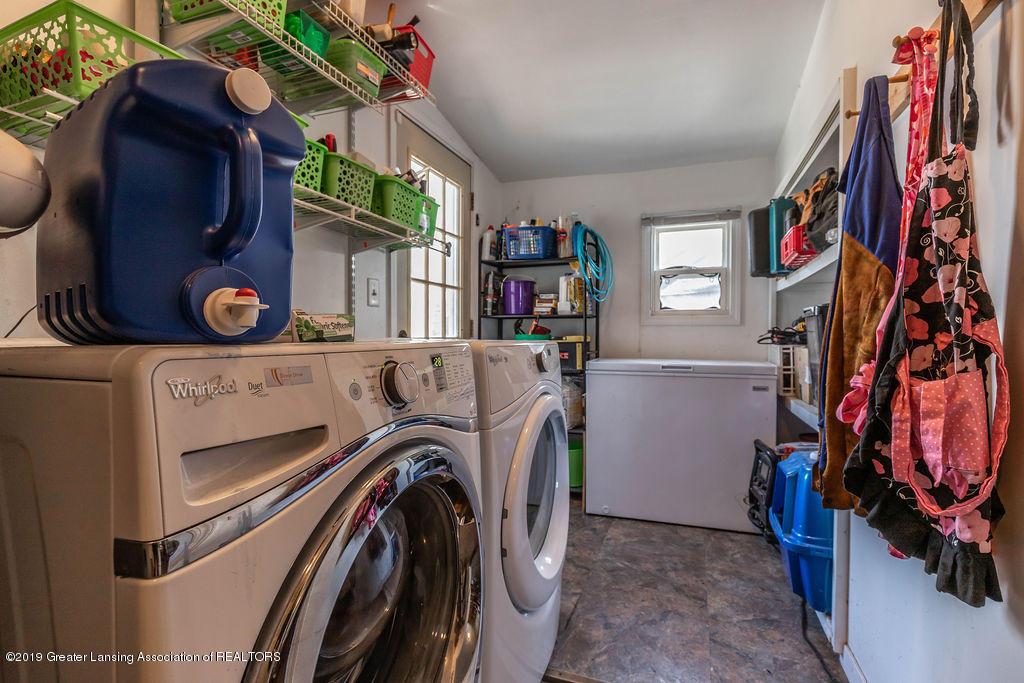 5017 Ingham St - inghamlaundry(1of1) - 17