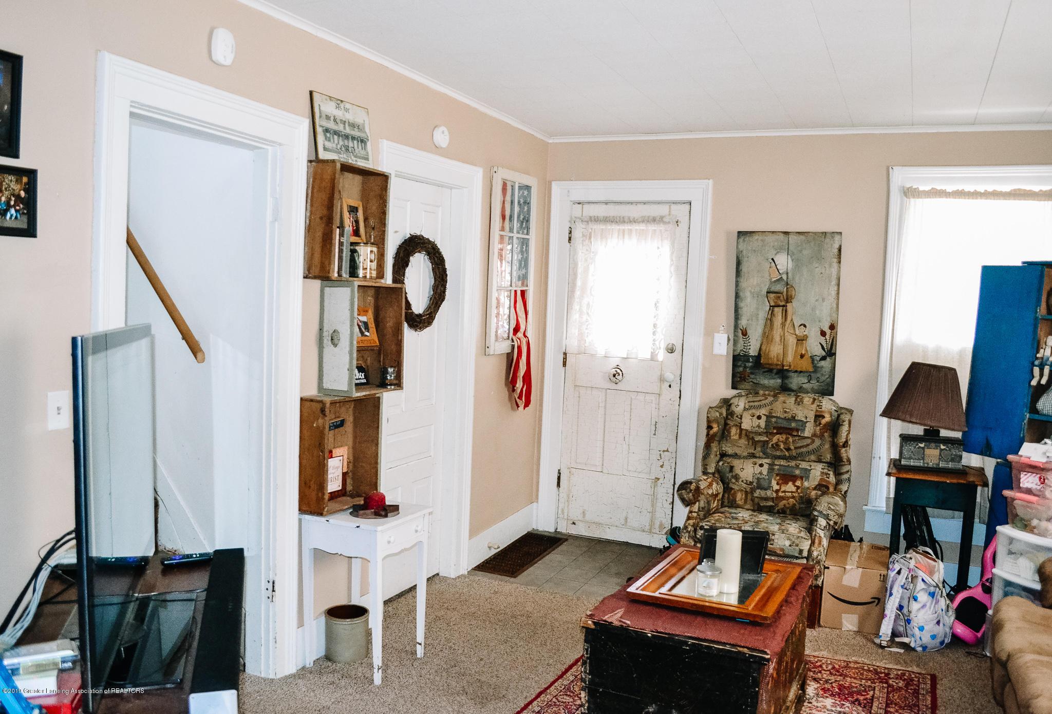 728 E Michigan Ave - 728 Living Room - 6