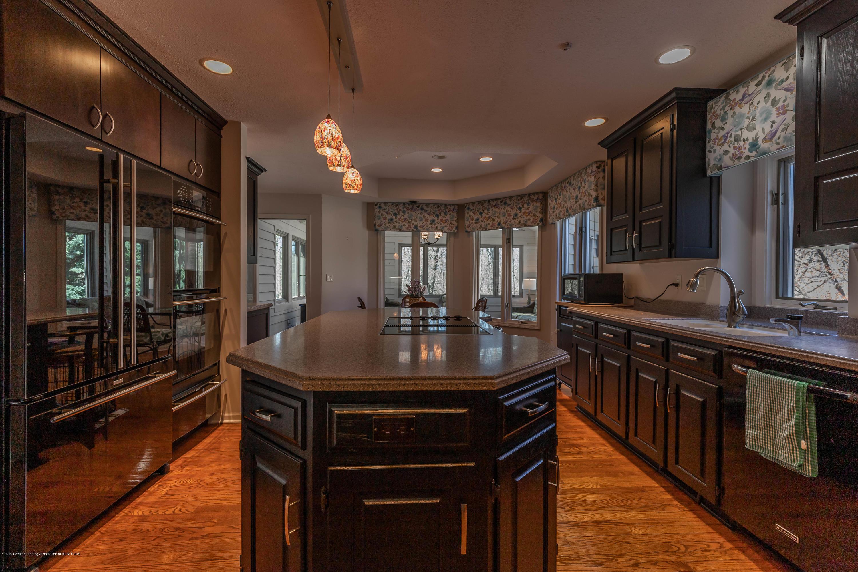 306 W Spring Meadows Ln - Kitchen - 8