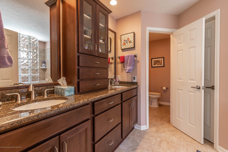 306 W Spring Meadows Ln - Master Bathroom - 39