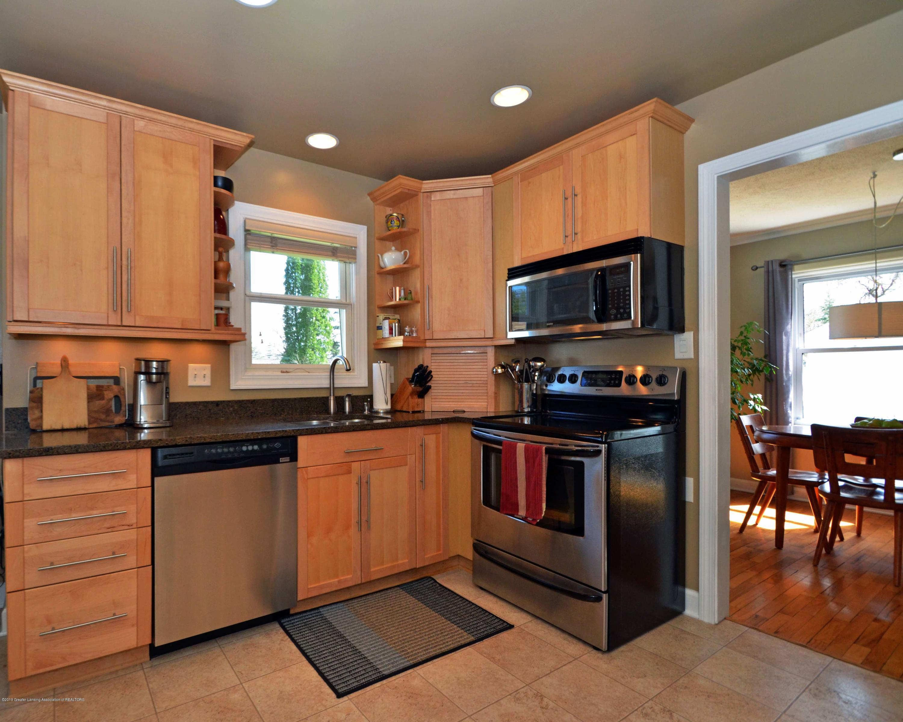 2232 Kenmore Dr - 15Kitchen - 15