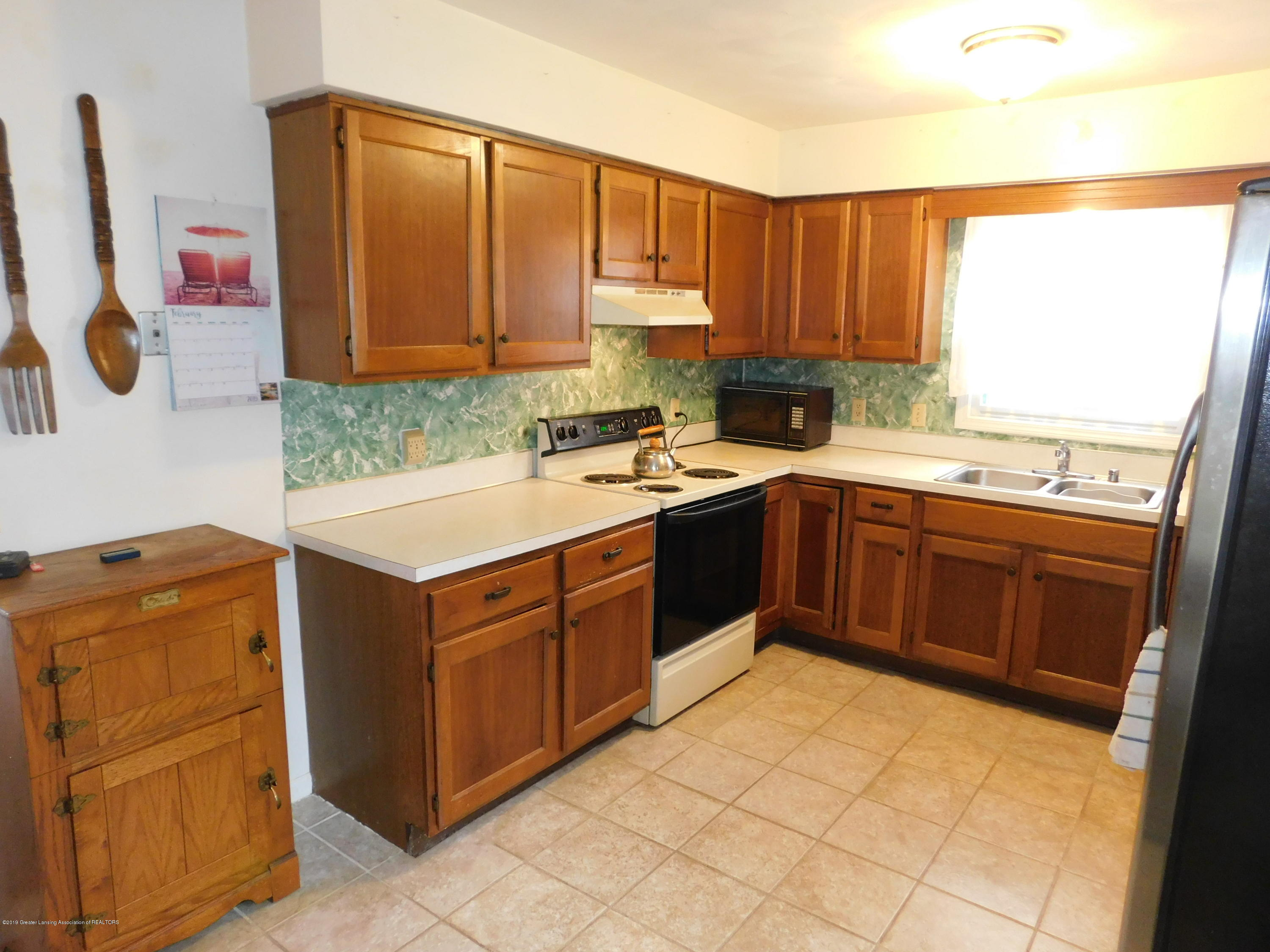 6511 S Washington Ave - KITCHEN - 9