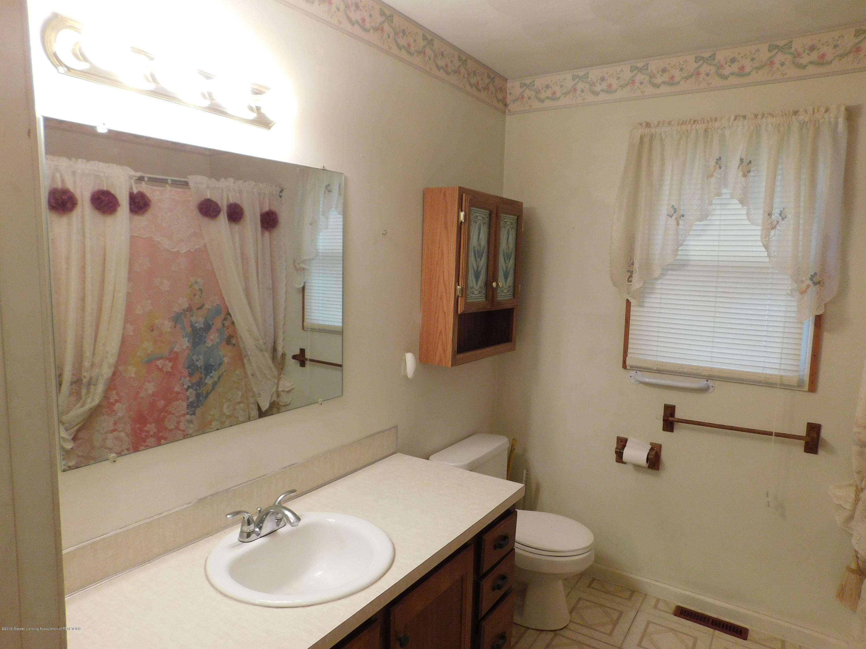 6511 S Washington Ave - BATH - 12