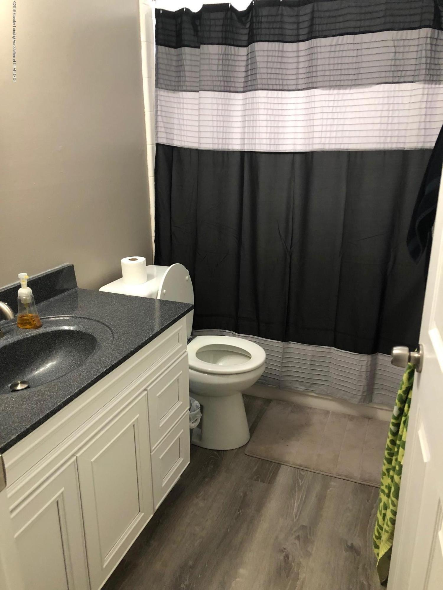1913 Bois Ile Dr 119 - Full Bath - 2nd floor - 17