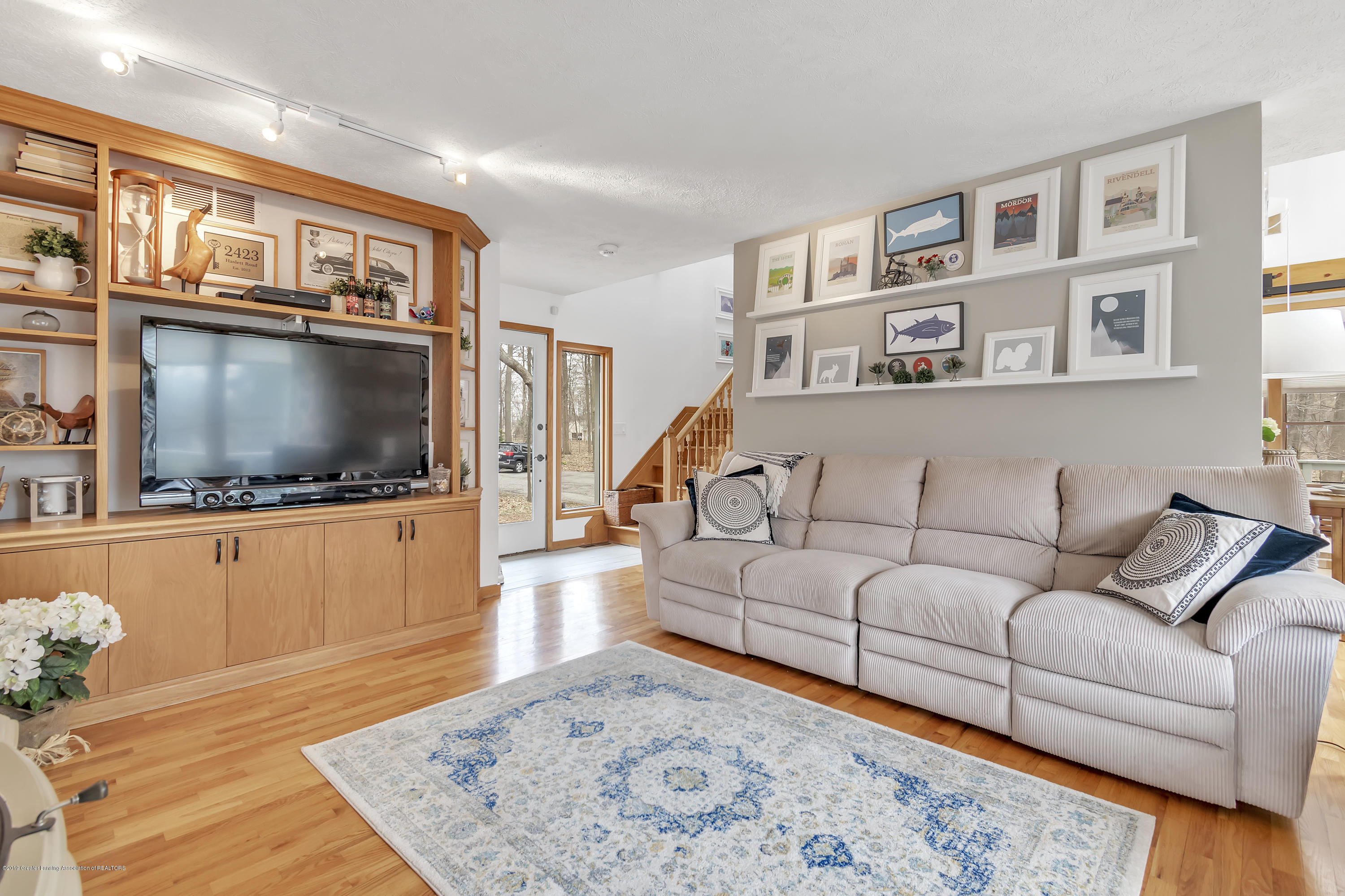 2423 Haslett Rd - Living Room - 7