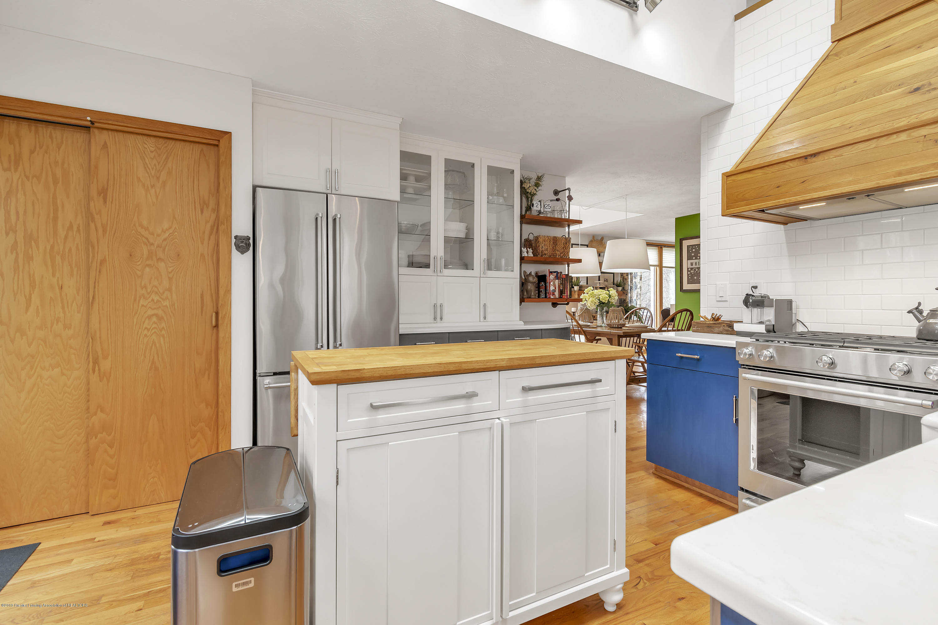 2423 Haslett Rd - Kitchen - 12