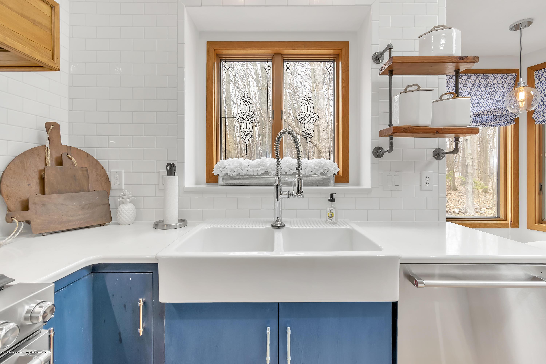 2423 Haslett Rd - Kitchen - 13