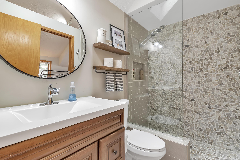 2423 Haslett Rd - Master Bath - 23