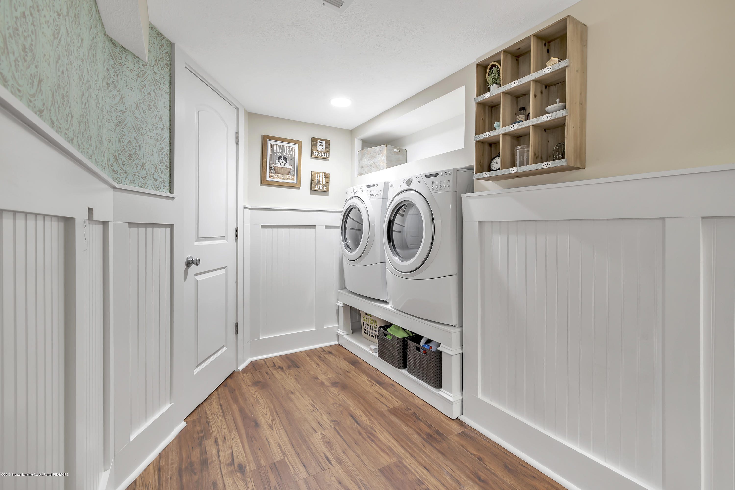 2423 Haslett Rd - Lower level Laundry area - 24