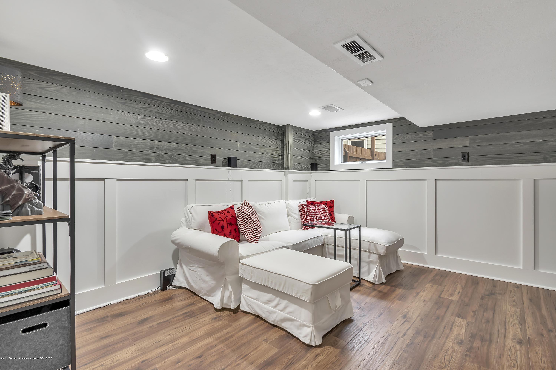 2423 Haslett Rd - Family Room - 27