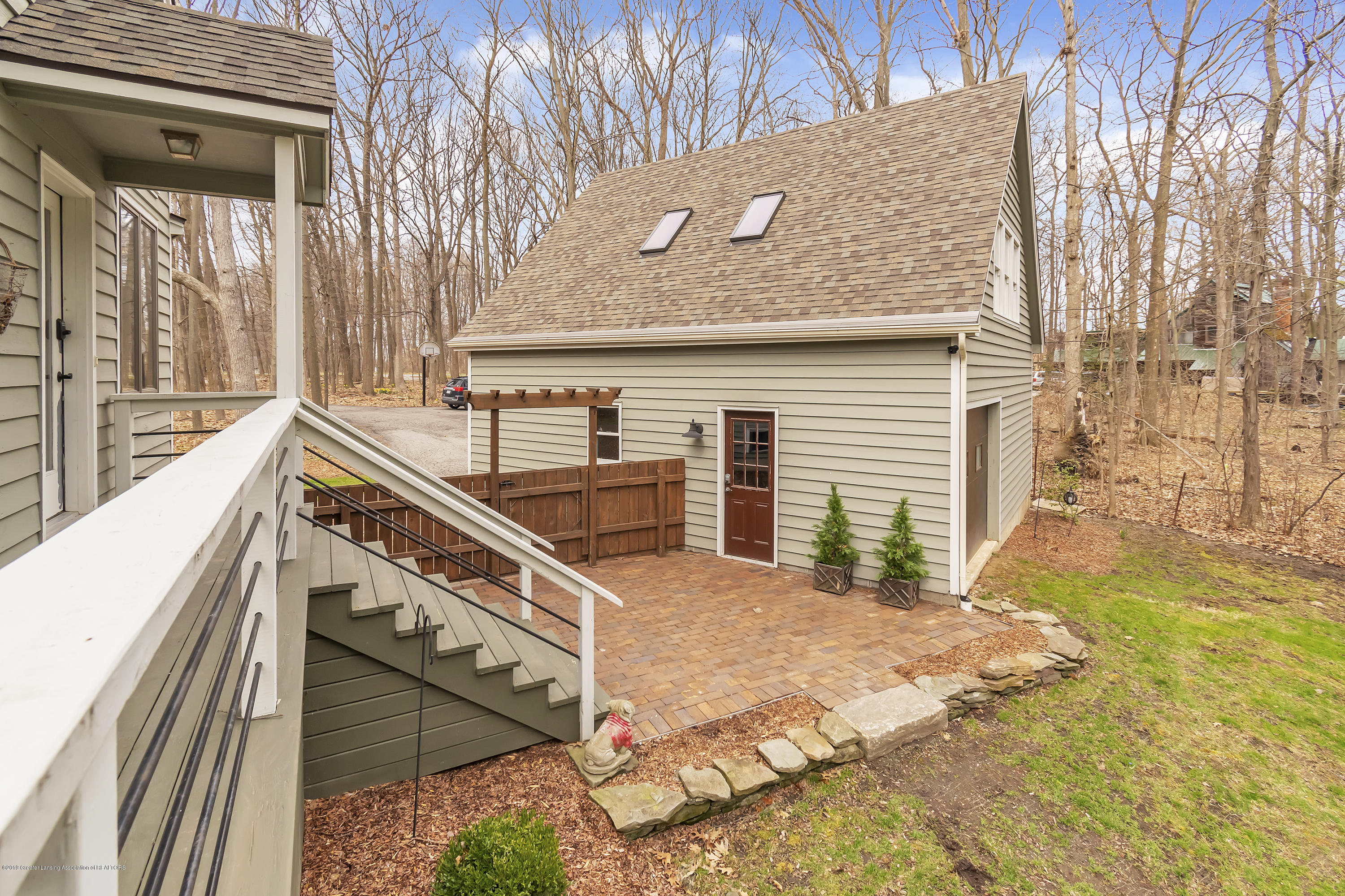 2423 Haslett Rd - Rear Patio and Garage - 29