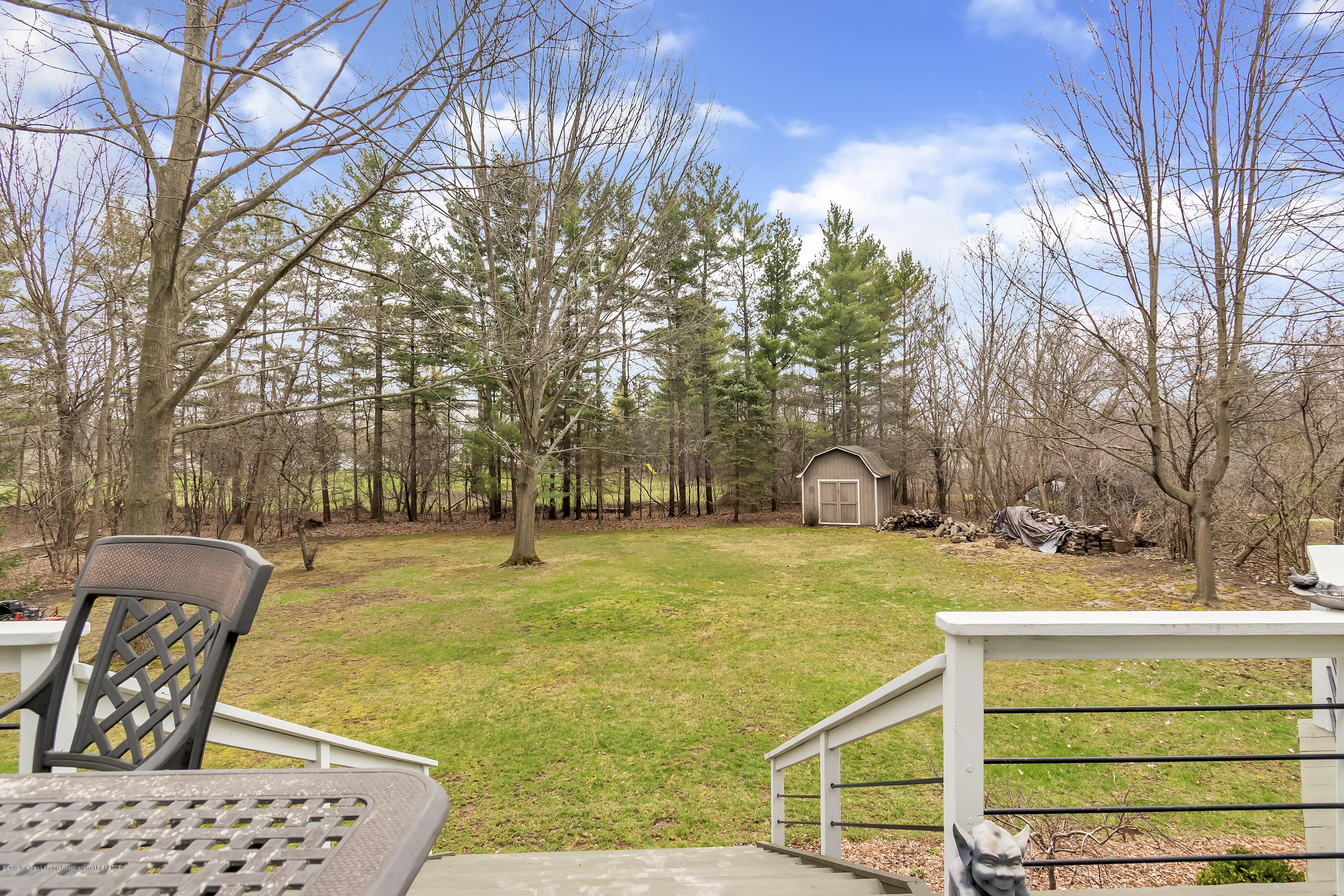 2423 Haslett Rd - Huge Fenced Back Yard - 31