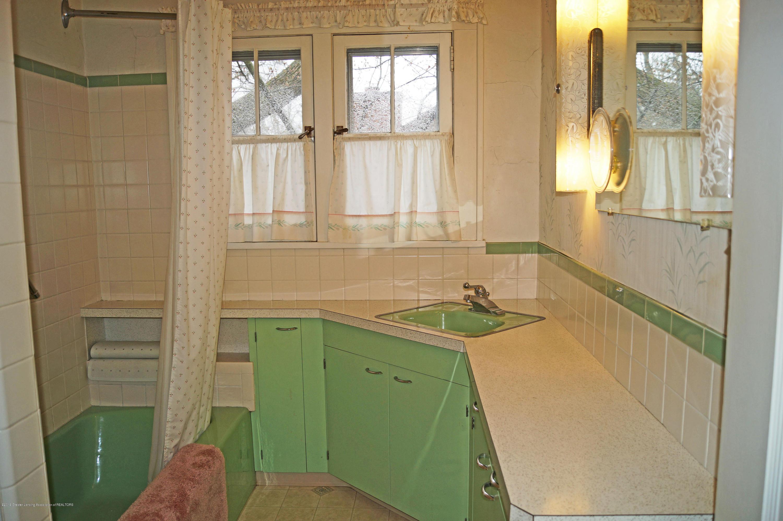 243 Kensington Rd - Main Bath - 26