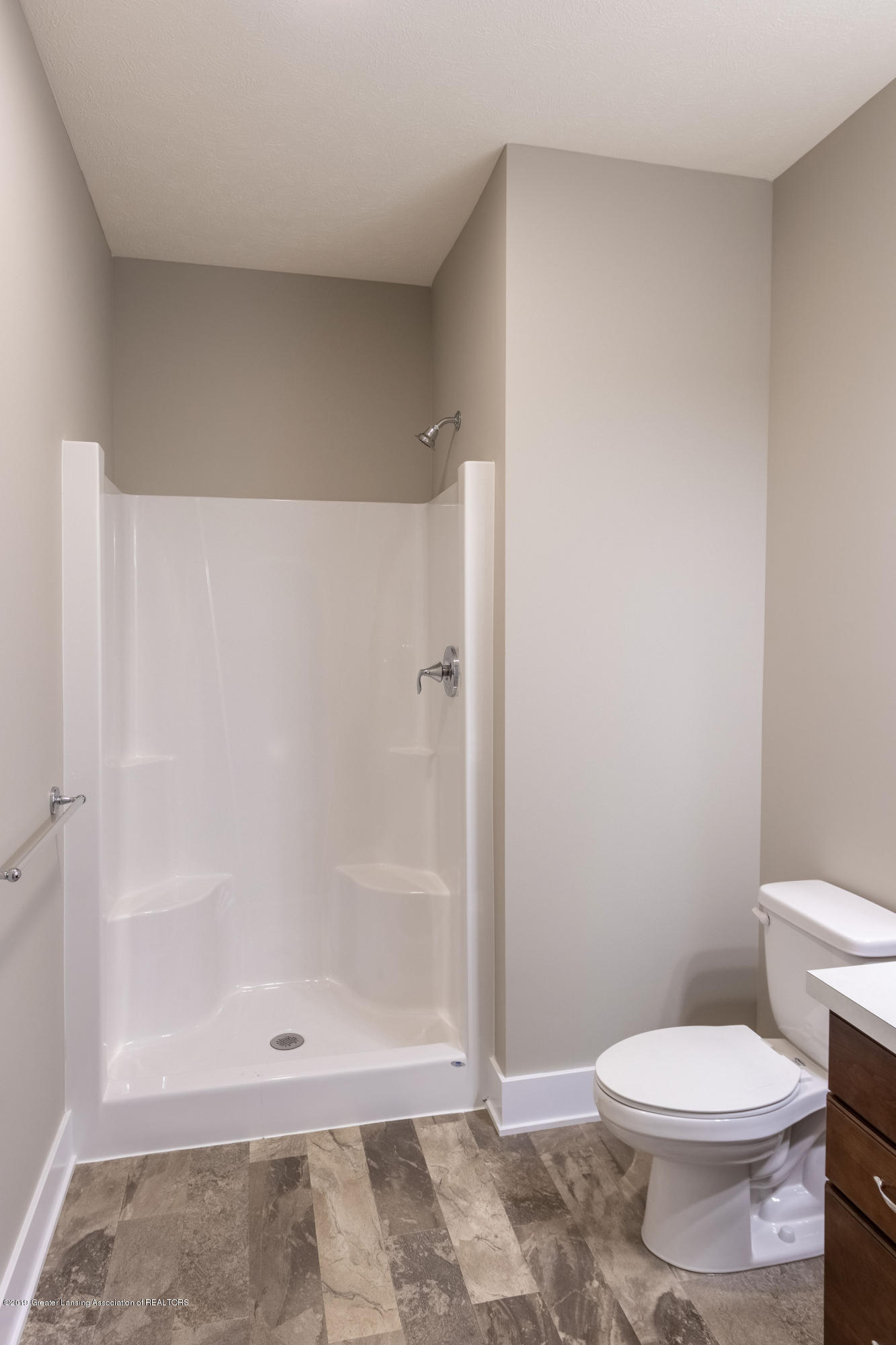 2782 Carnoustie Dr - Full Bathroom - 14