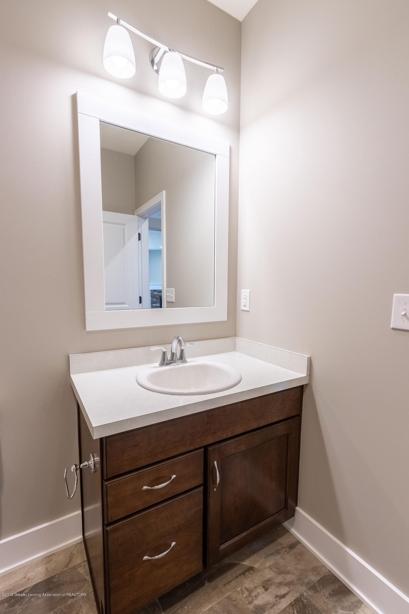 2782 Carnoustie Dr - Full Bathroom - 15