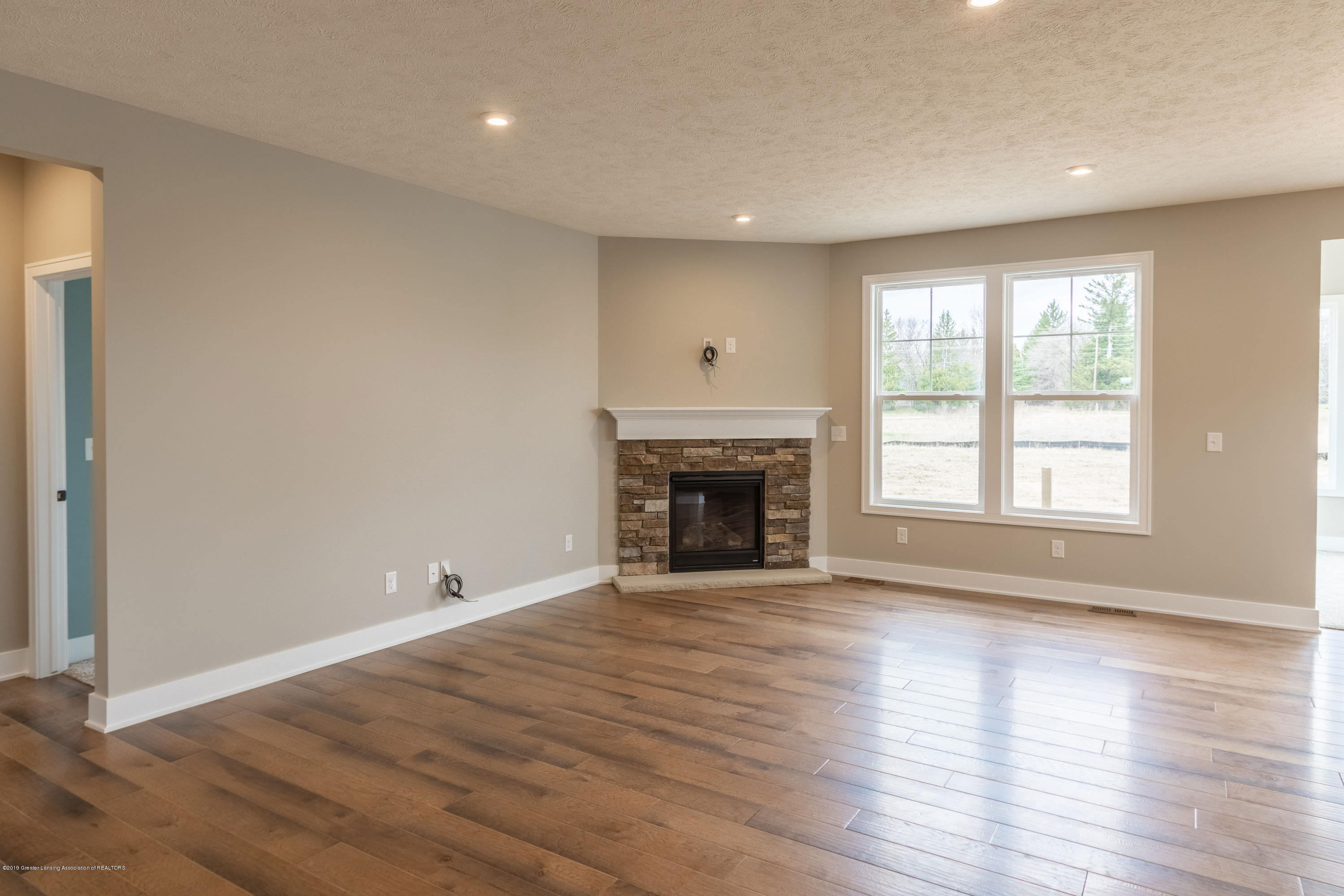 2782 Carnoustie Dr - Fireplace - 23