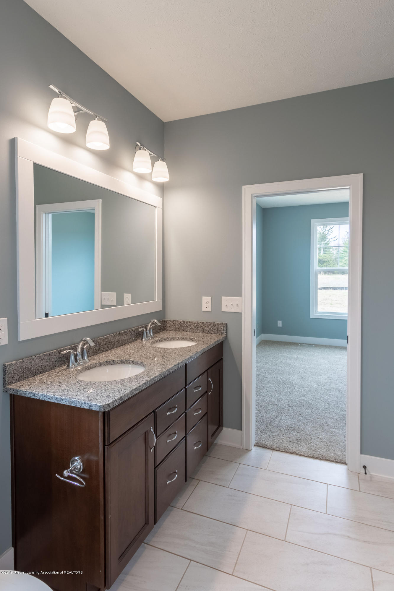 2782 Carnoustie Dr - Master Bathroom - 29