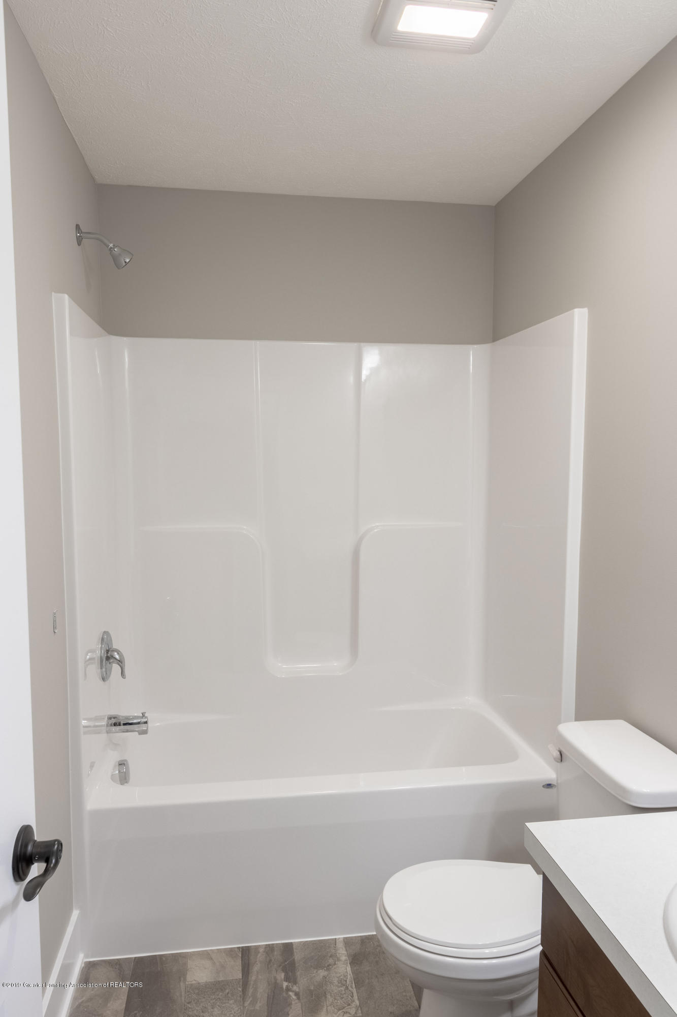 2782 Carnoustie Dr - Lower Level Bathroom - 34