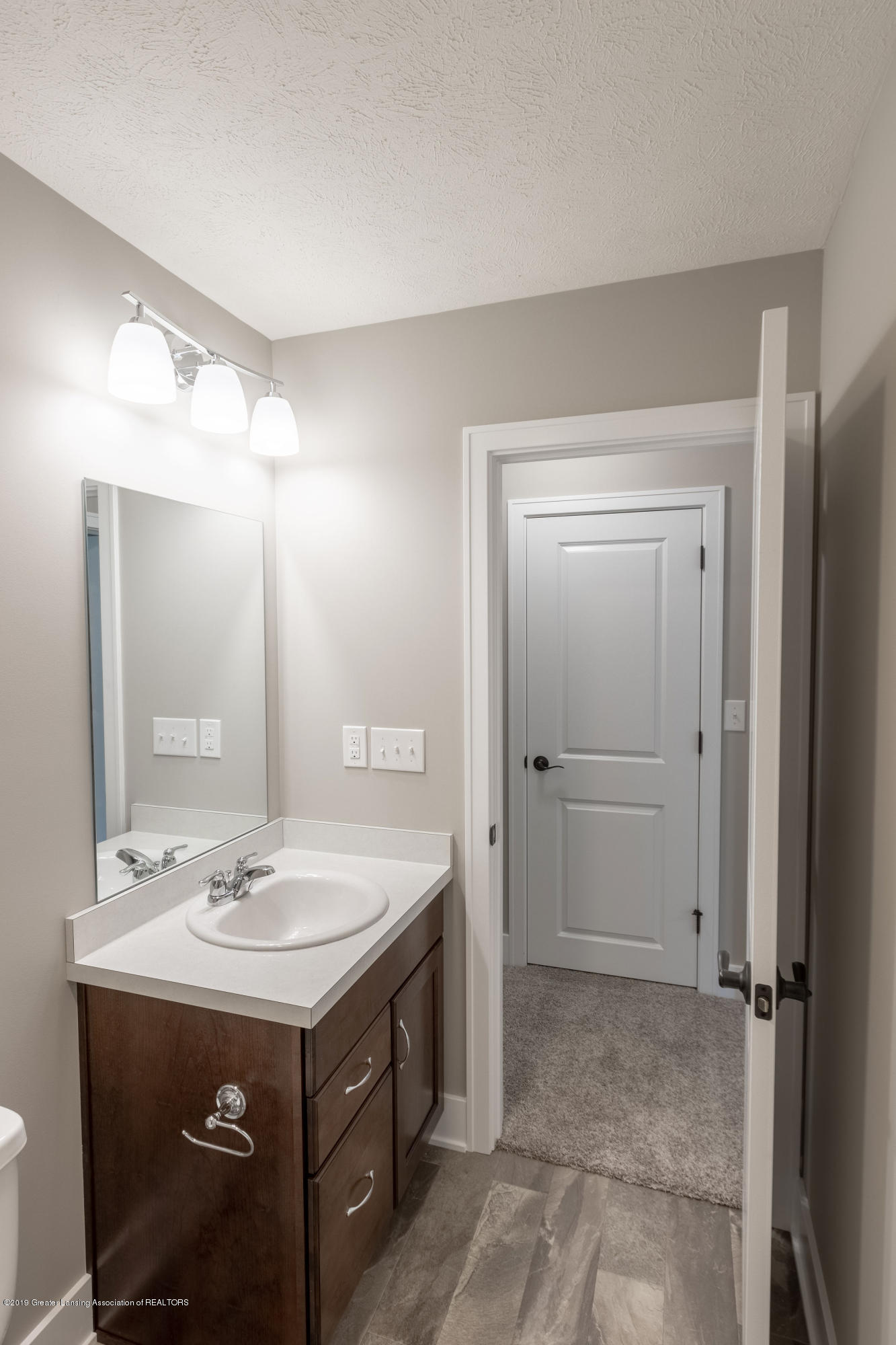 2782 Carnoustie Dr - Lower Level Bathroom - 35