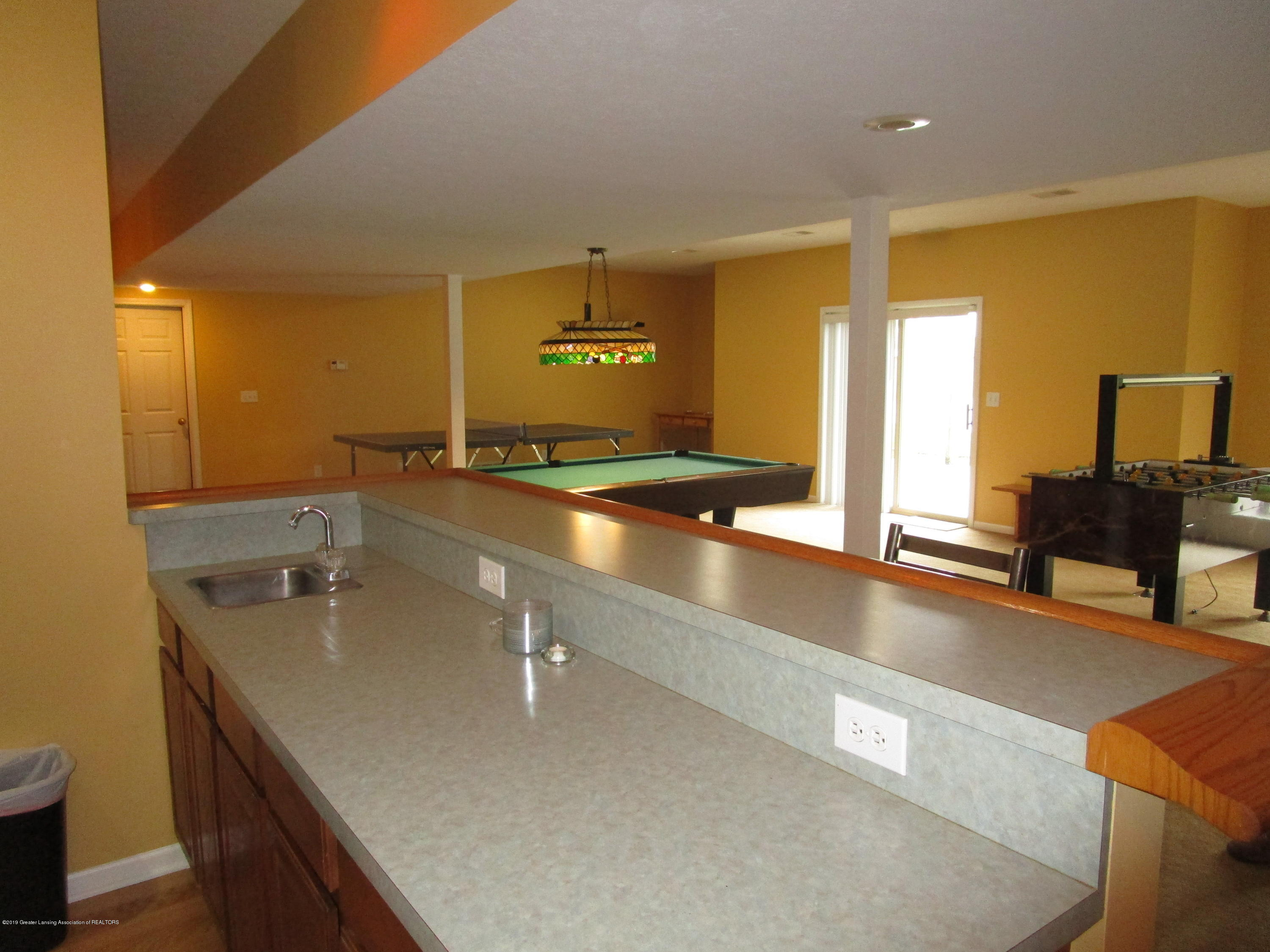 4084 Pheasant Run - DS Wet Bar (4) - 45