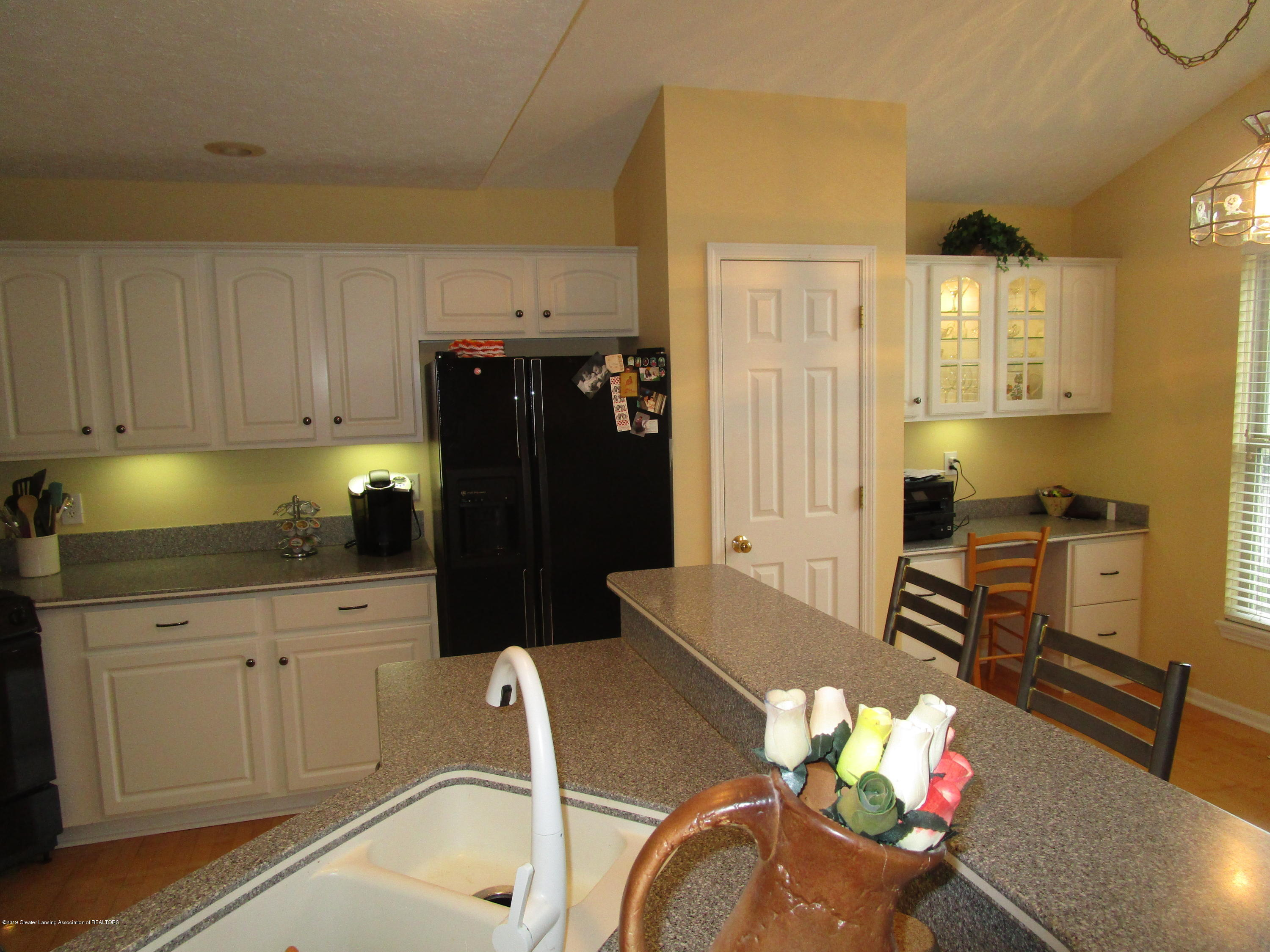 4084 Pheasant Run - Kitchen (2) - 9