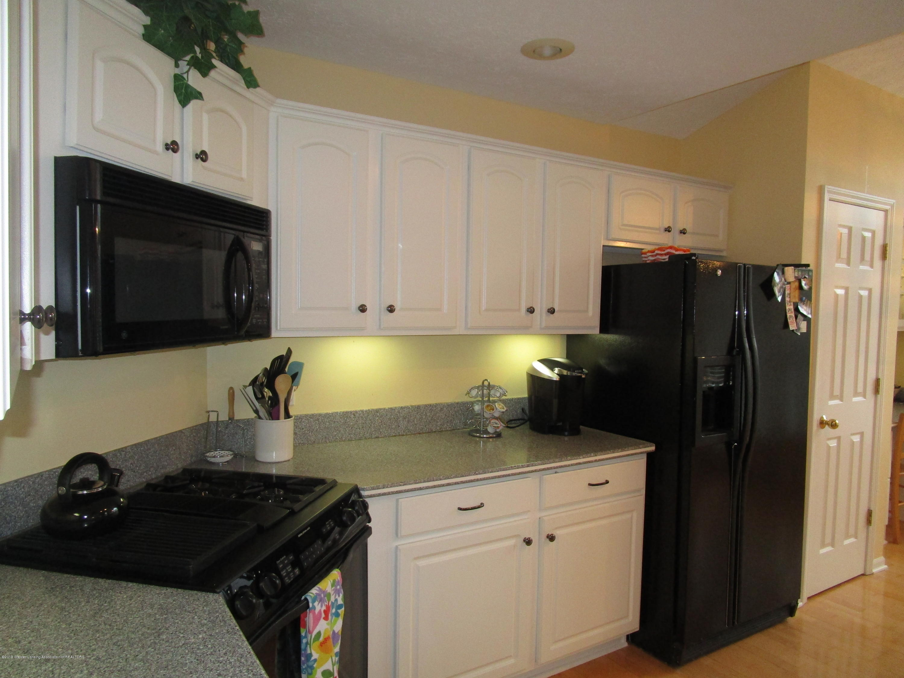 4084 Pheasant Run - Kitchen (4) - 11