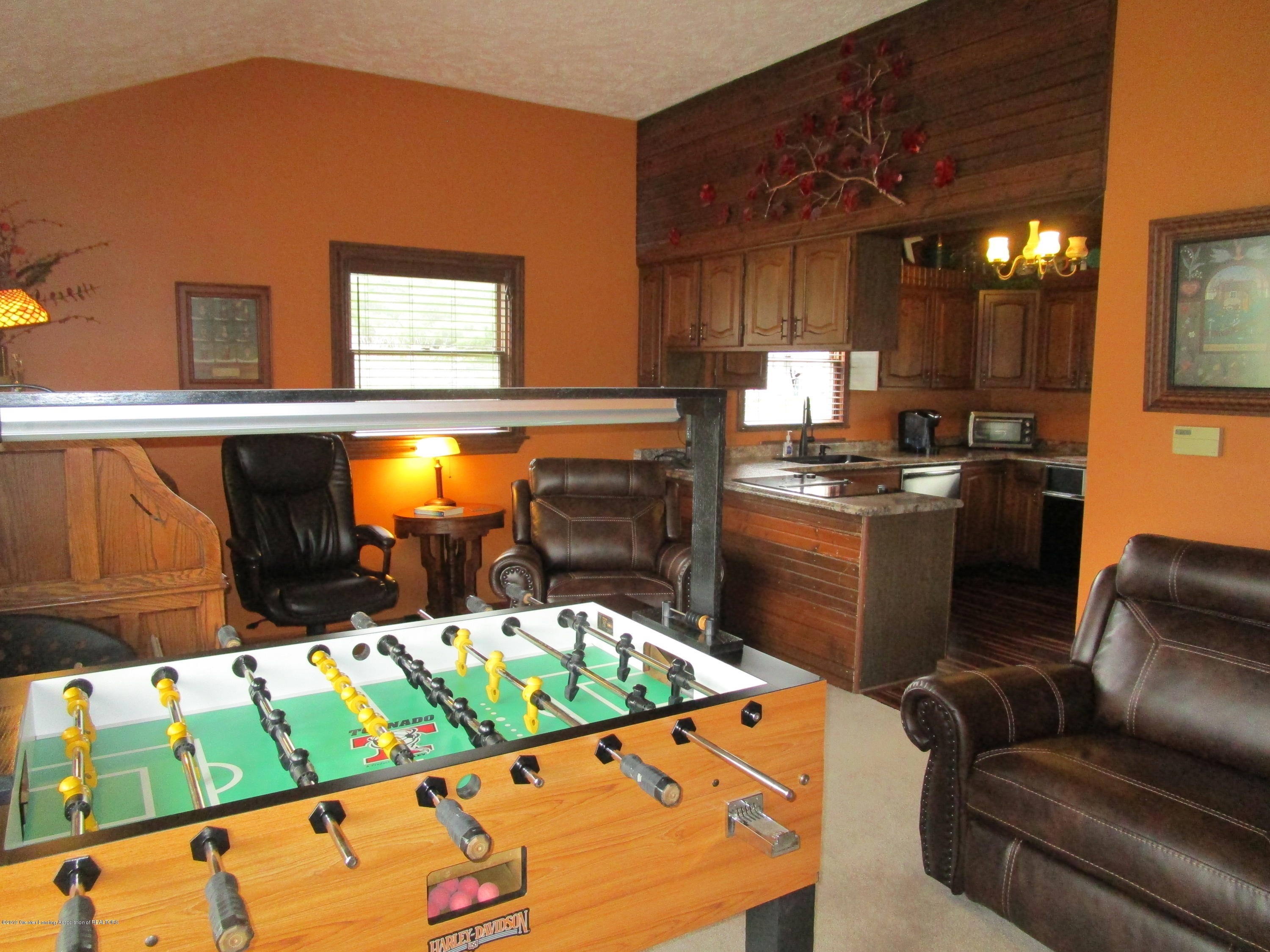 12796 Melody Rd - Family Room - 14